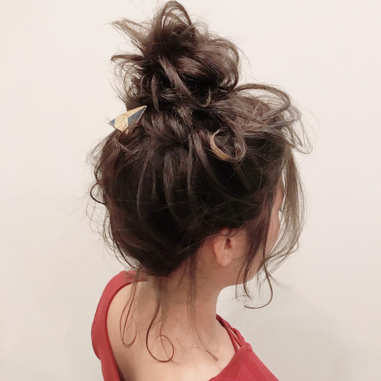フェミニン お団子アレンジ 簡単ヘアアレンジ ヘアアレンジ ヘアスタイルや髪型の写真・画像