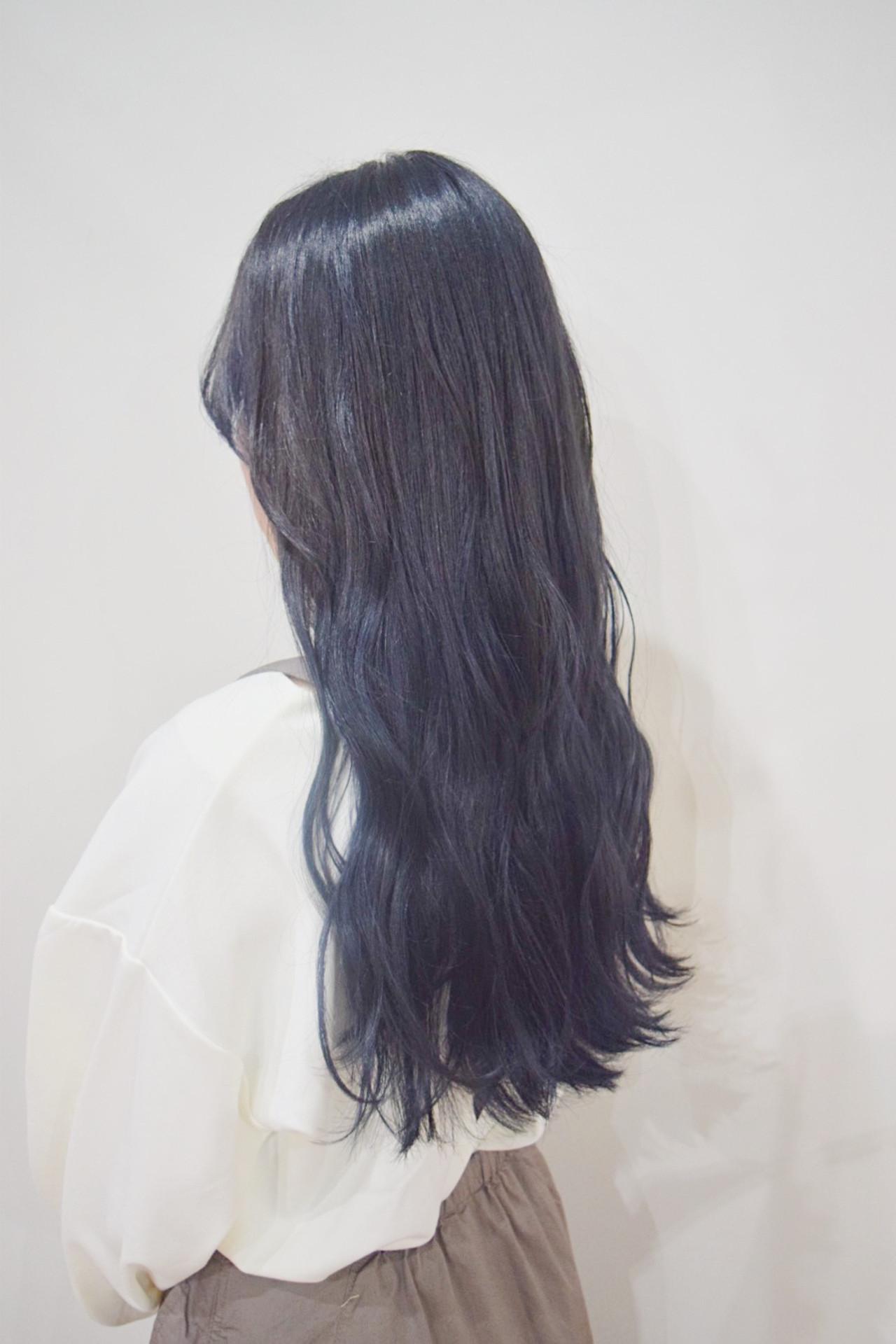 ナチュラル ネイビーカラー ロング ロングヘア ヘアスタイルや髪型の写真・画像