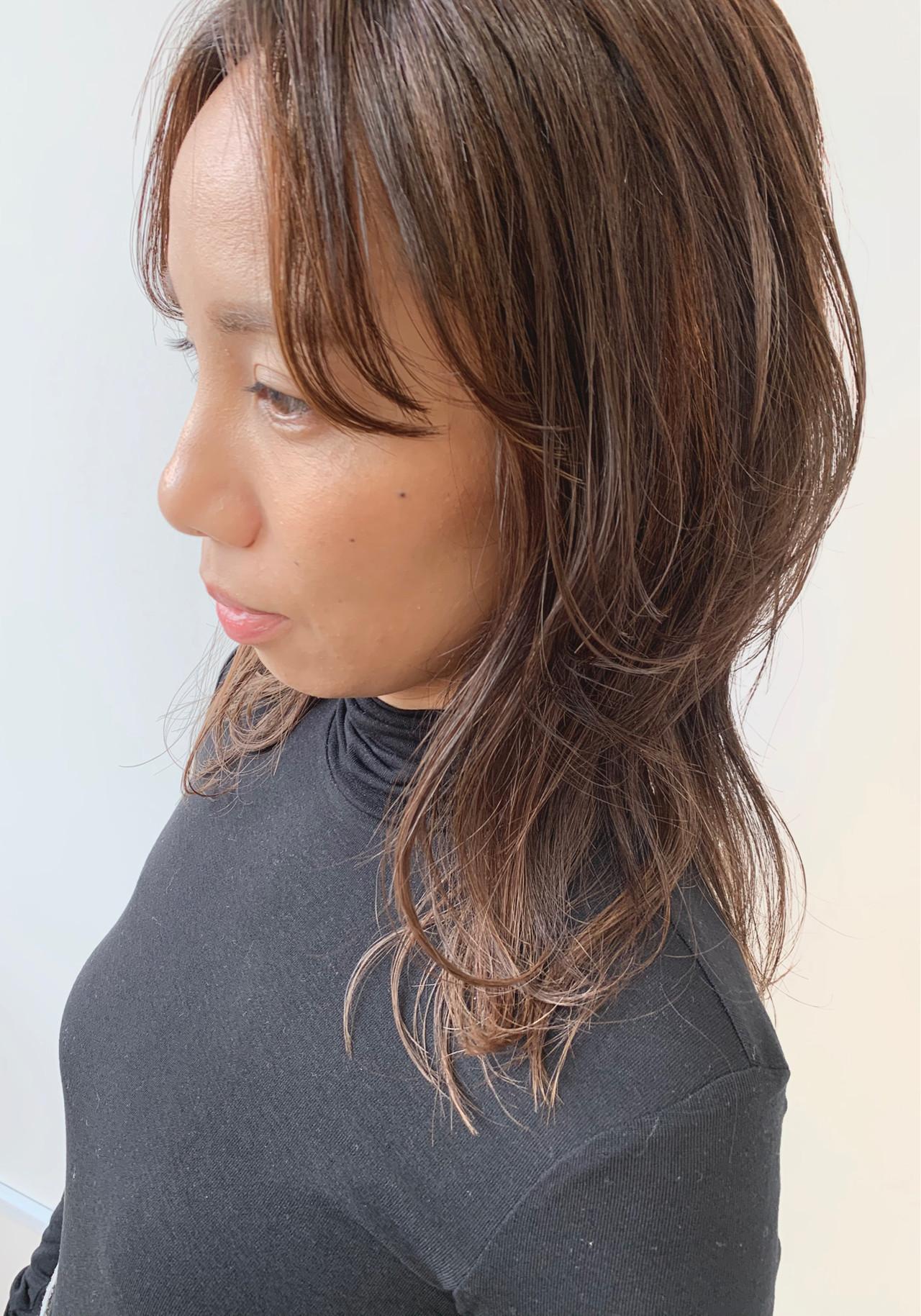 ナチュラル ロング インナーカラー ウルフカット ヘアスタイルや髪型の写真・画像