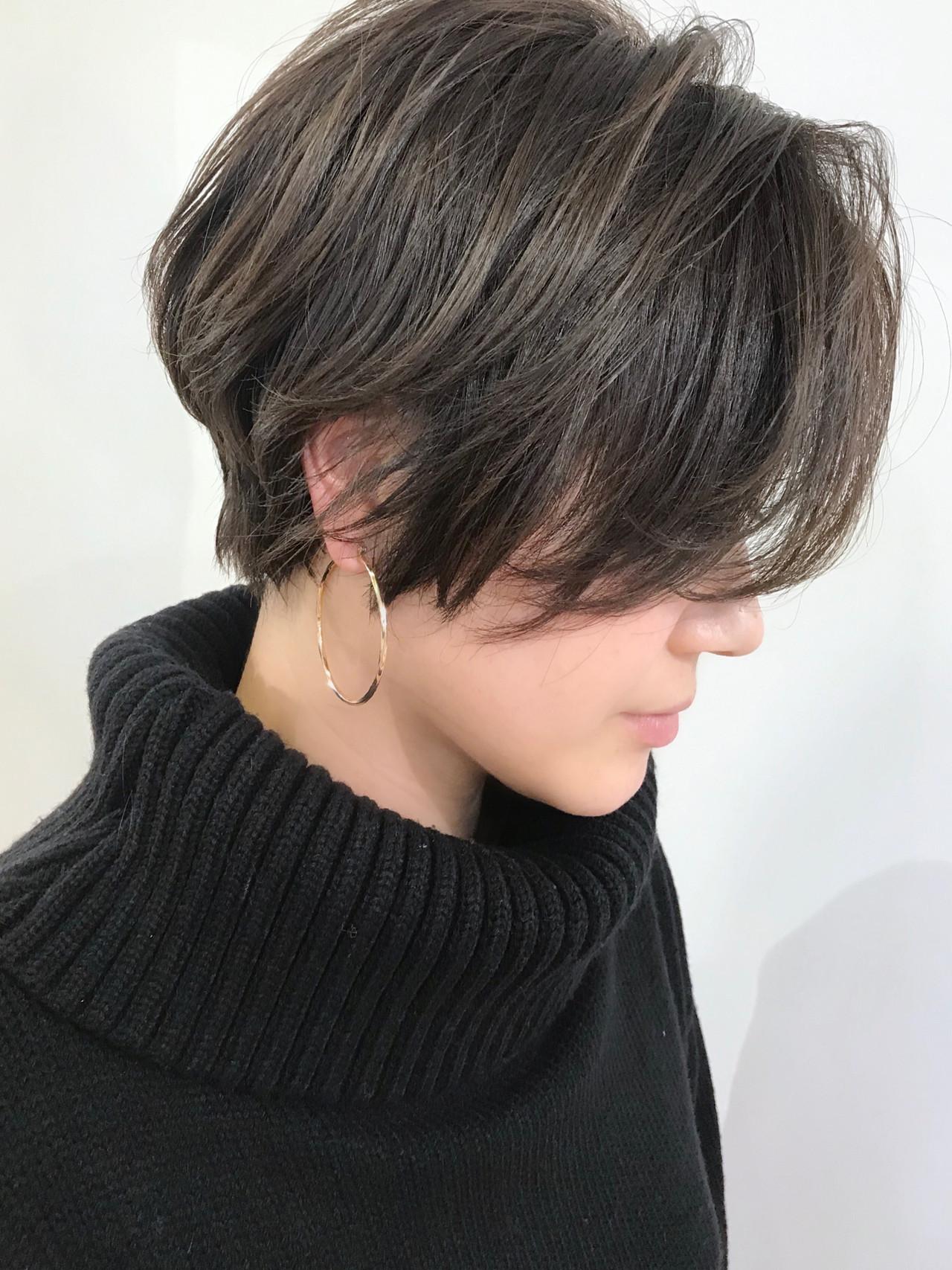 ショートヘア 前下がりボブ ショート コンサバ ヘアスタイルや髪型の写真・画像