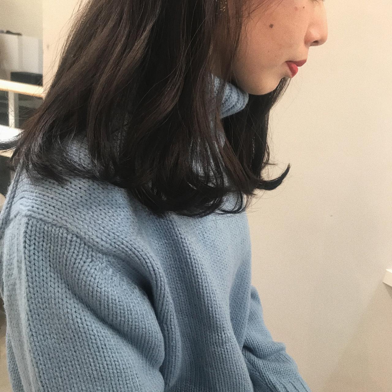 アッシュグレー ミディアム 透明感カラー オーガニックカラー ヘアスタイルや髪型の写真・画像