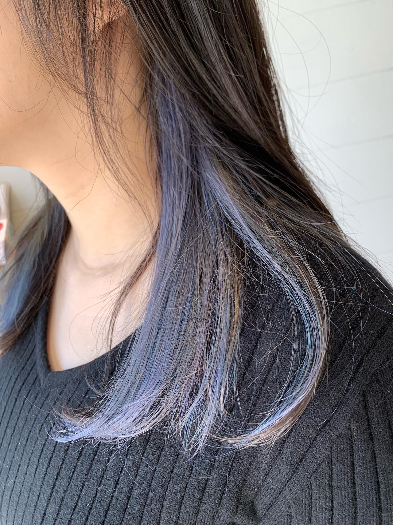セミロング インナーカラー ブルージュ ナチュラル ヘアスタイルや髪型の写真・画像