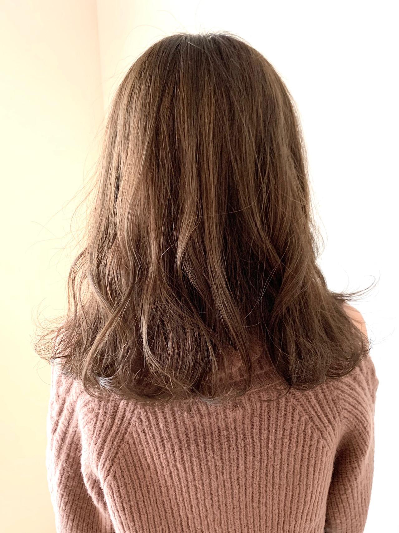 簡単スタイリング フェミニン 大人可愛い アッシュベージュ ヘアスタイルや髪型の写真・画像