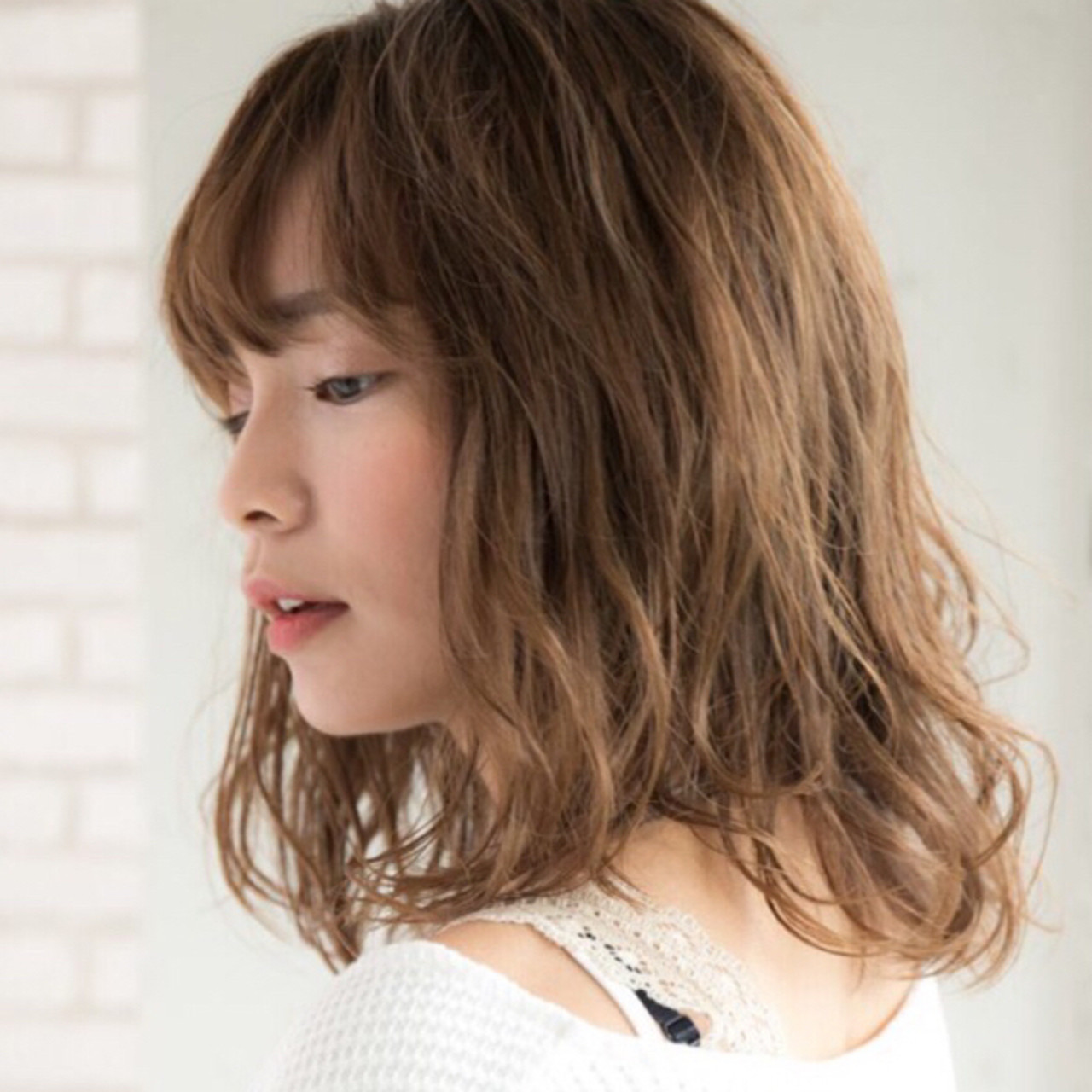 大人かわいい ミディアム アンニュイほつれヘア デジタルパーマ ヘアスタイルや髪型の写真・画像