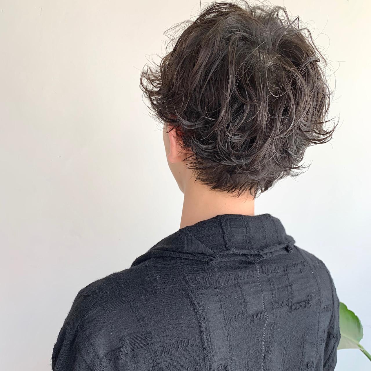 メンズパーマ ナチュラル 無造作パーマ パーマ ヘアスタイルや髪型の写真・画像