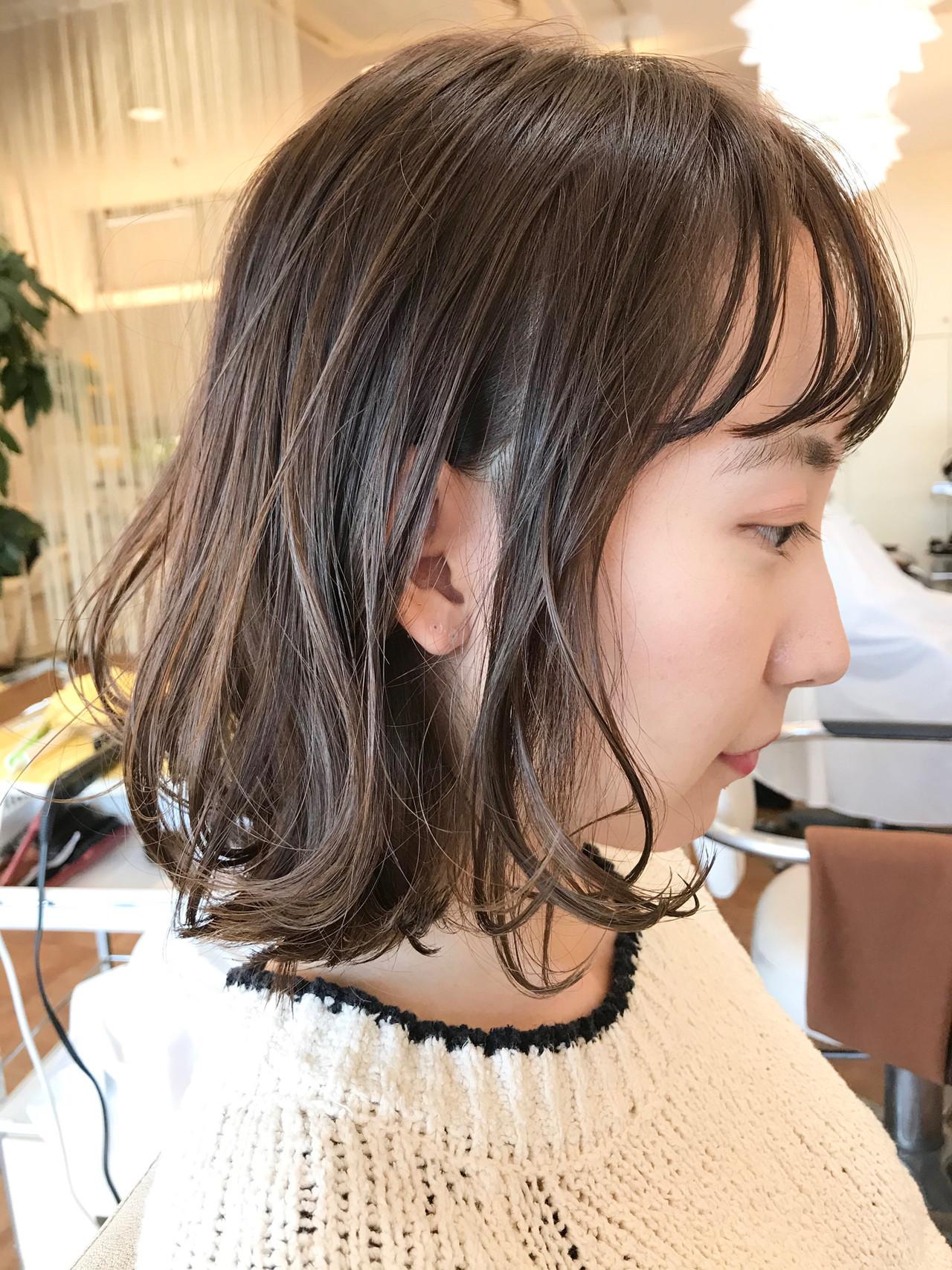 グラデーションカラー ナチュラル 透明感カラー ゆるふわパーマ ヘアスタイルや髪型の写真・画像