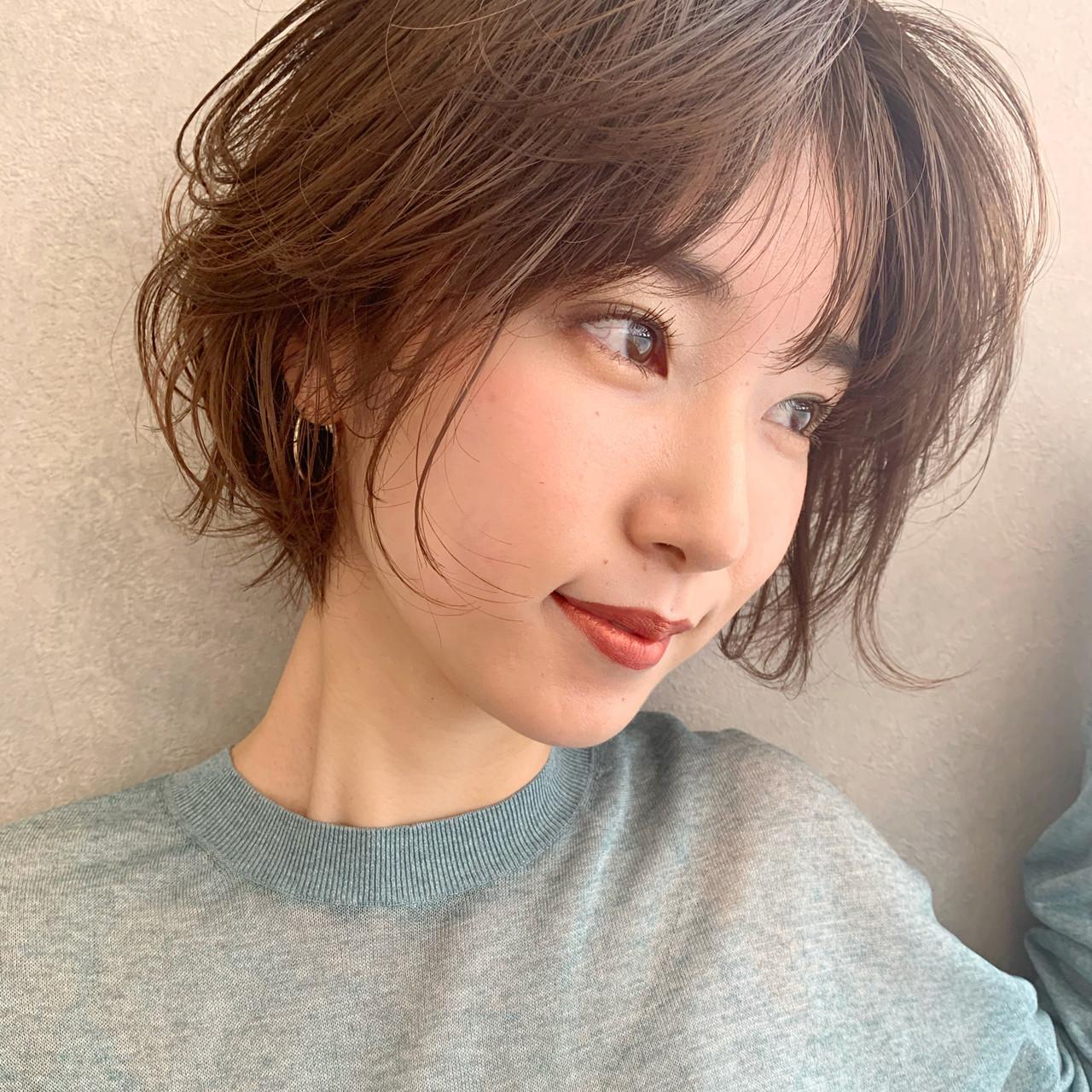 ゆるふわパーマ ショートボブ ショートヘア ナチュラル ヘアスタイルや髪型の写真・画像