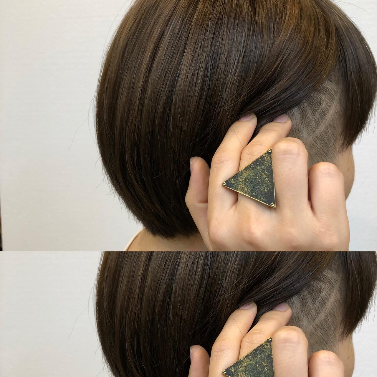 ハイライト ラインアート ショート アディクシーカラー ヘアスタイルや髪型の写真・画像