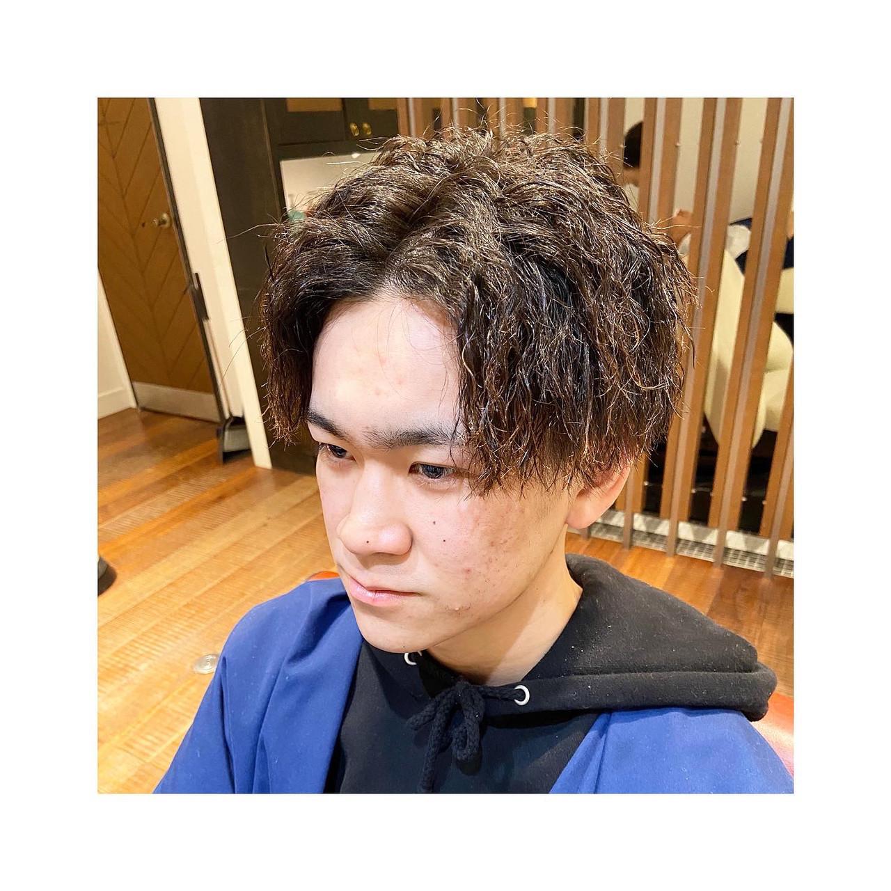 メンズカット メンズパーマ ショート 刈り上げ ヘアスタイルや髪型の写真・画像