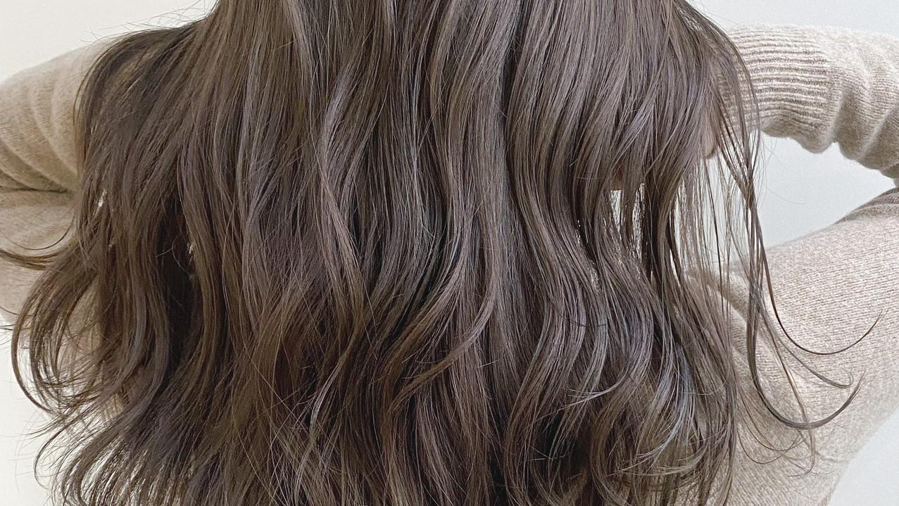 巻き髪キープ術!せっかく巻いた髪…雨の日でもキープしませんか?