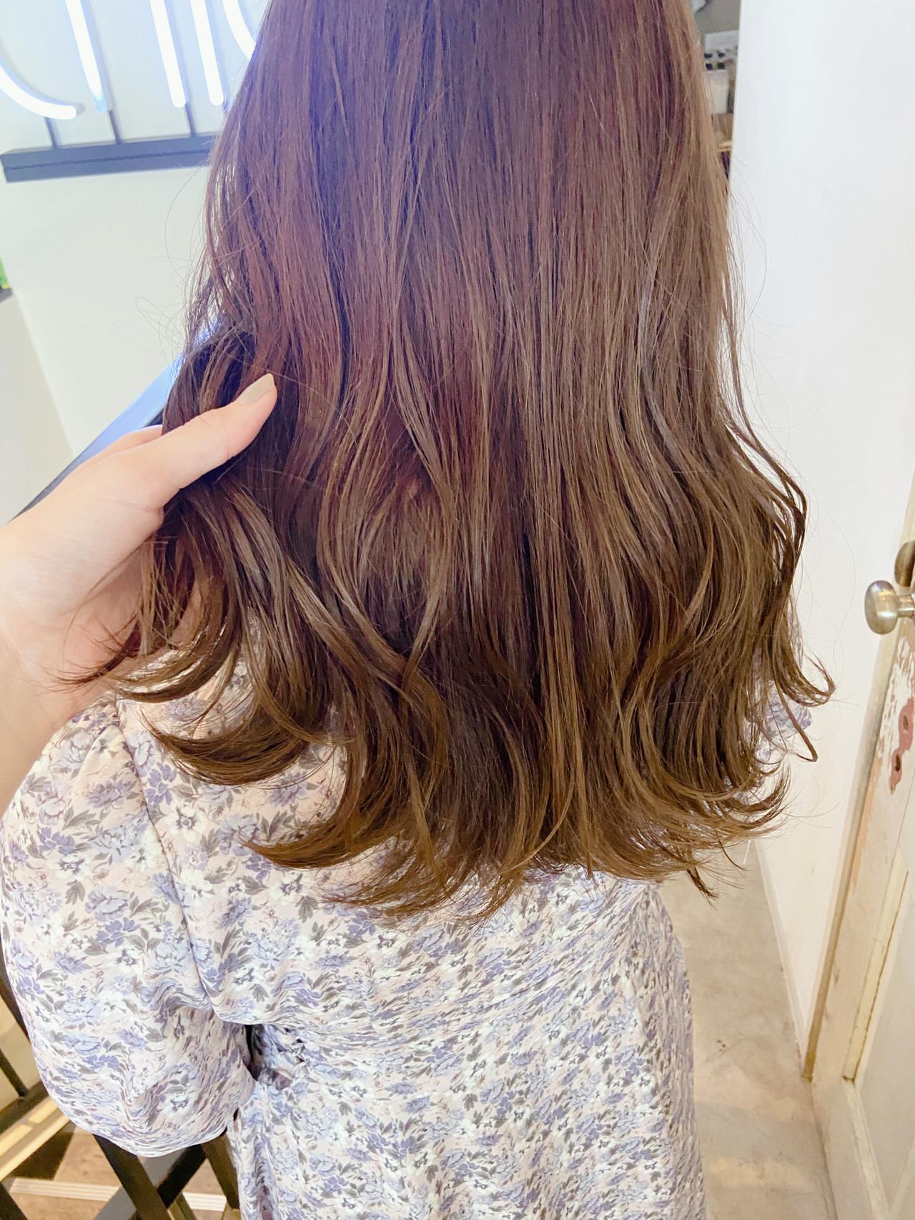 ミルクティーアッシュ ラベンダーピンク ナチュラル ミルクティーベージュ ヘアスタイルや髪型の写真・画像