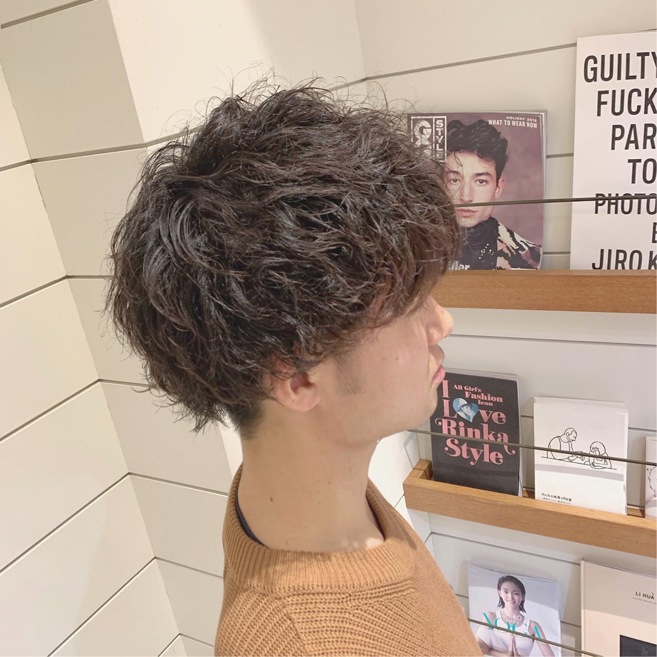 メンズパーマ メンズマッシュ ナチュラル ショート ヘアスタイルや髪型の写真・画像