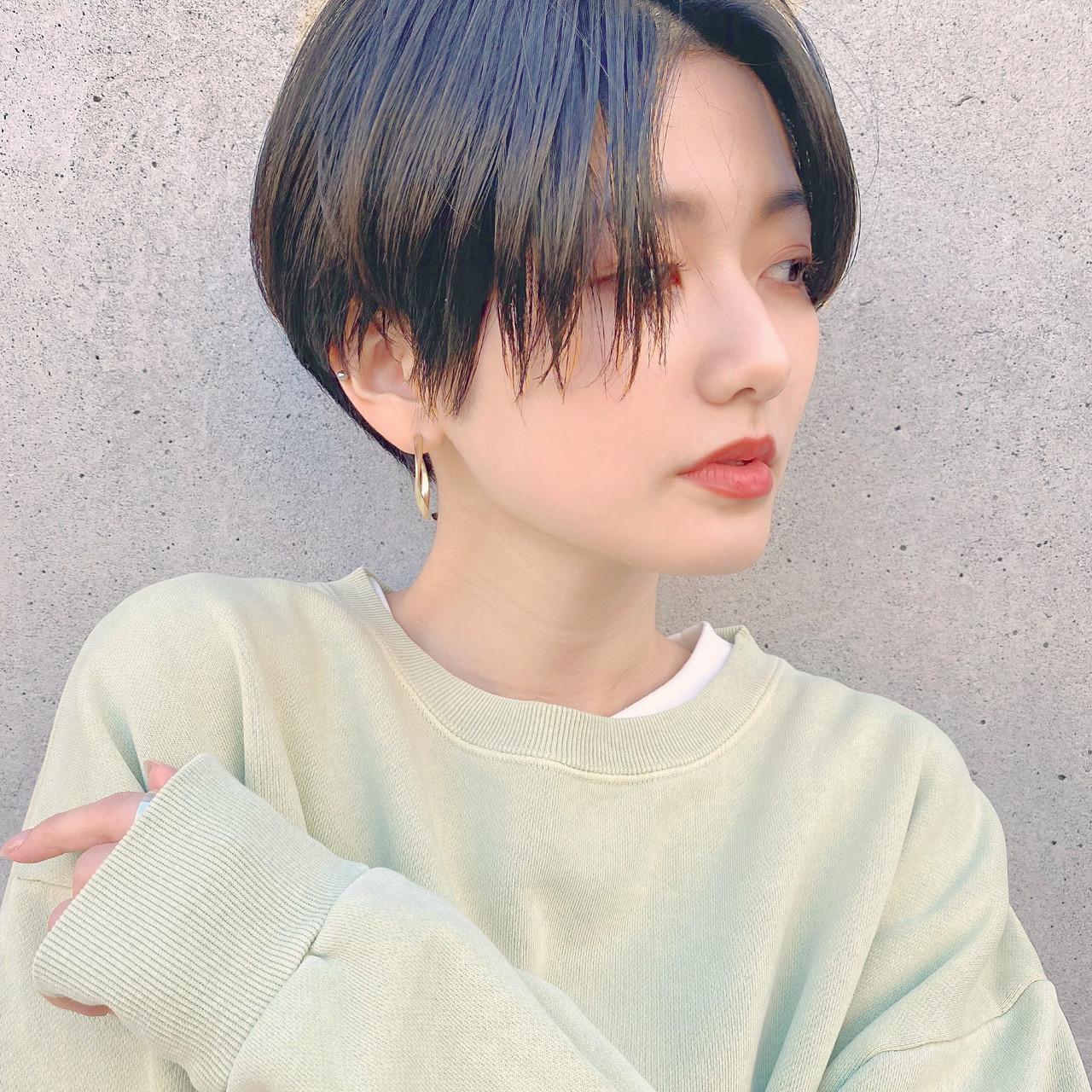 マッシュショート ショートヘア ハンサムショート ナチュラル ヘアスタイルや髪型の写真・画像