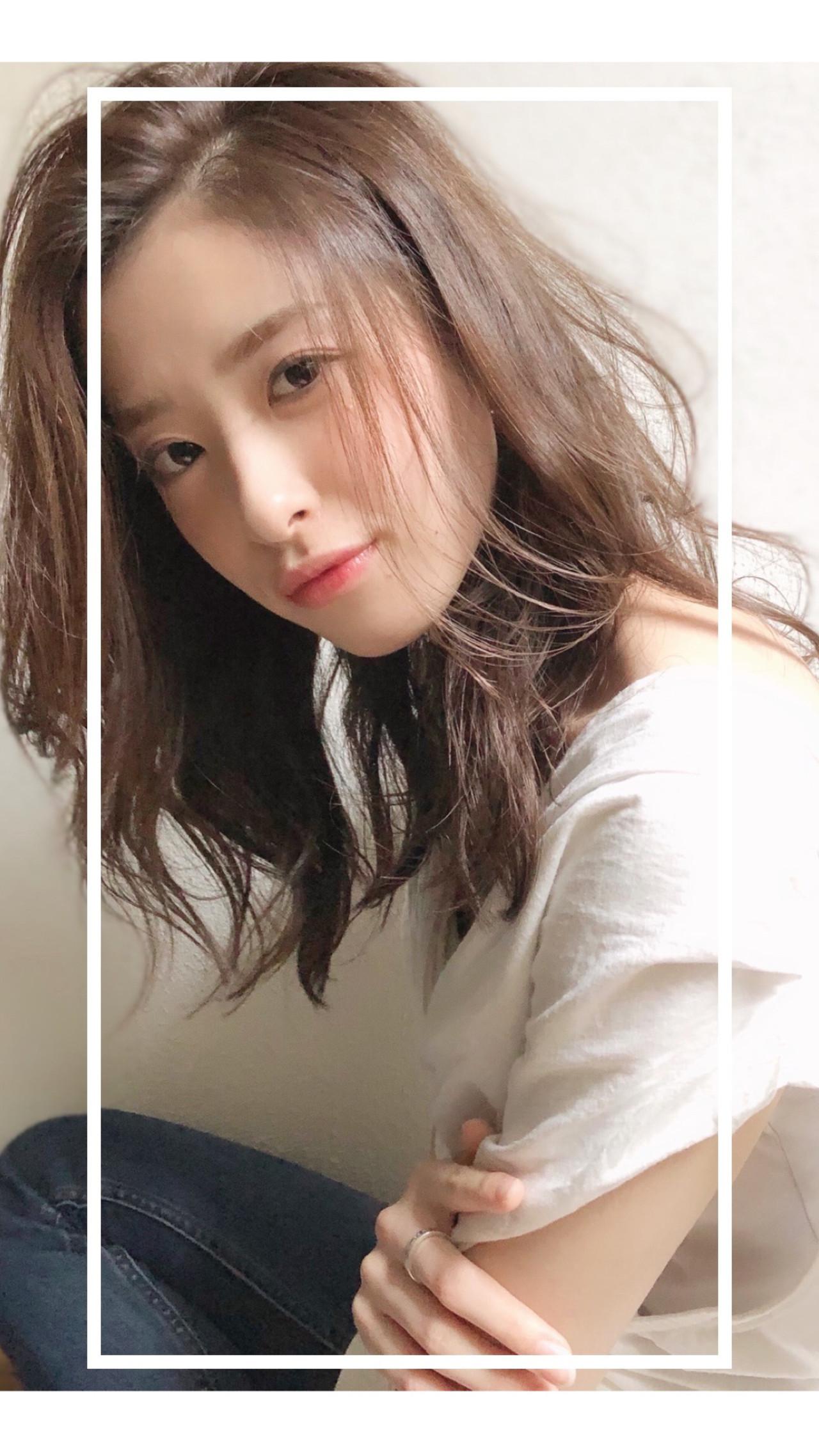 イルミナカラー セミロング デジタルパーマ ナチュラルデジパ ヘアスタイルや髪型の写真・画像