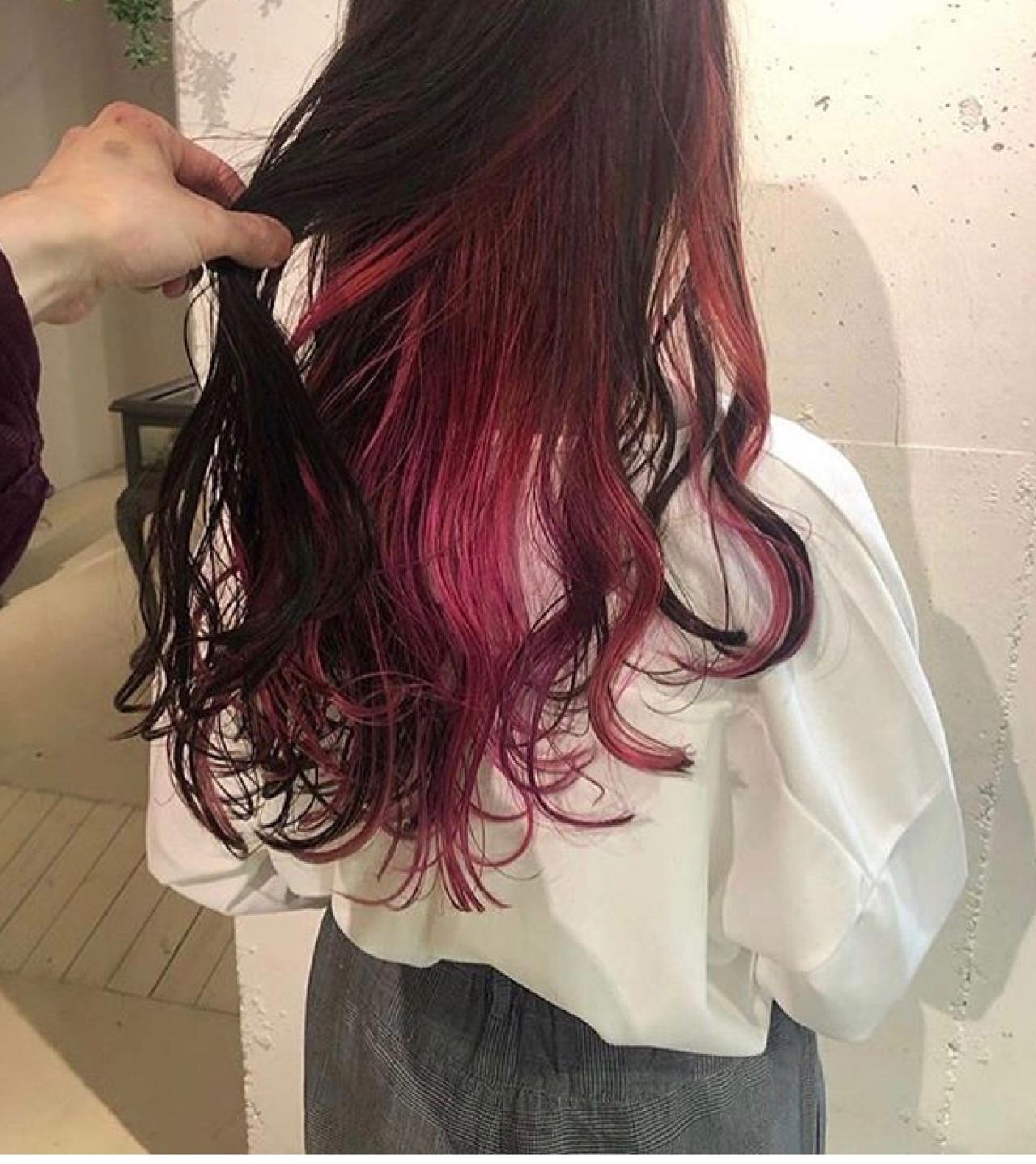 ピンクパープル ブリーチカラー ブリーチ ラズベリーピンク ヘアスタイルや髪型の写真・画像