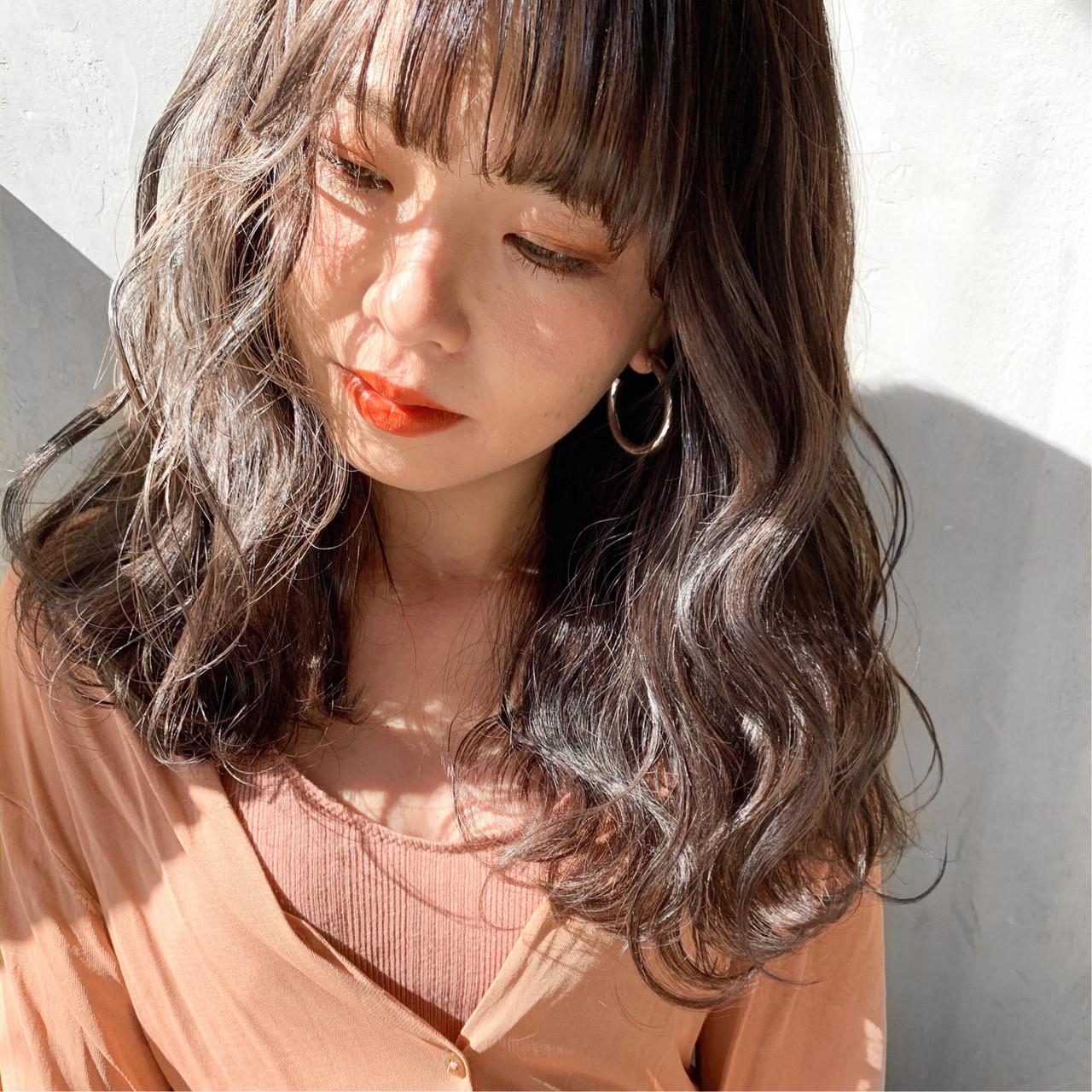 簡単ヘアアレンジ アンニュイほつれヘア ゆるウェーブ 透明感カラー ヘアスタイルや髪型の写真・画像