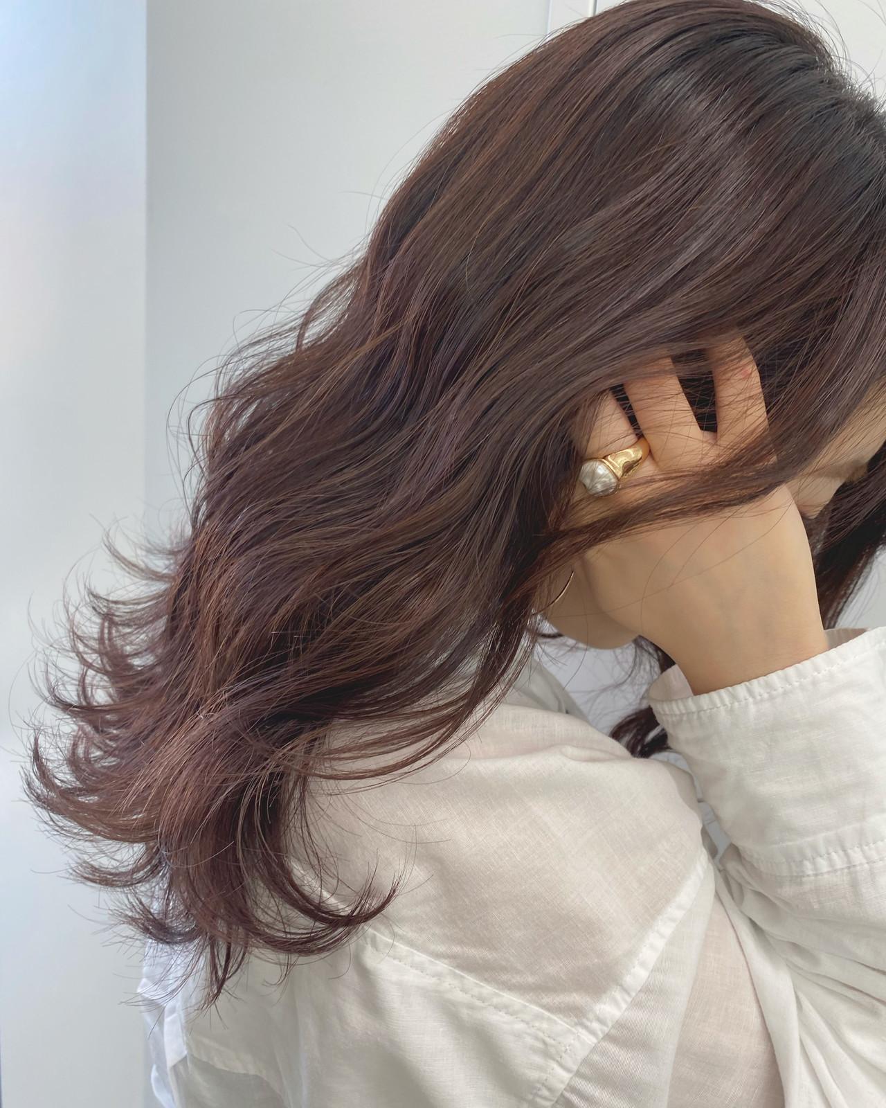 ラベンダーアッシュ フェミニン ハイライト ラベンダーグレージュ ヘアスタイルや髪型の写真・画像