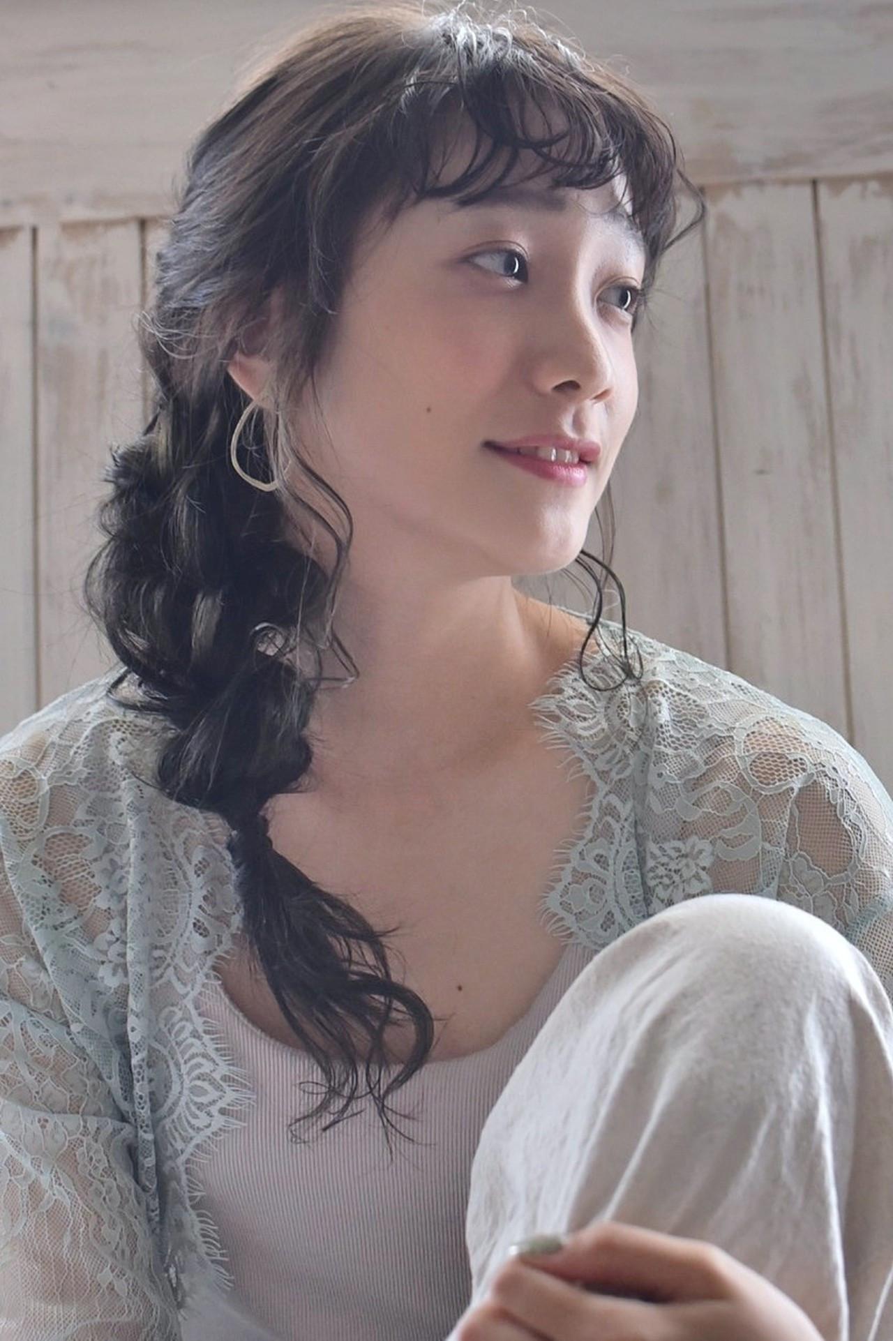 アウトドア 編み込み 編みおろし ヘアアレンジ ヘアスタイルや髪型の写真・画像