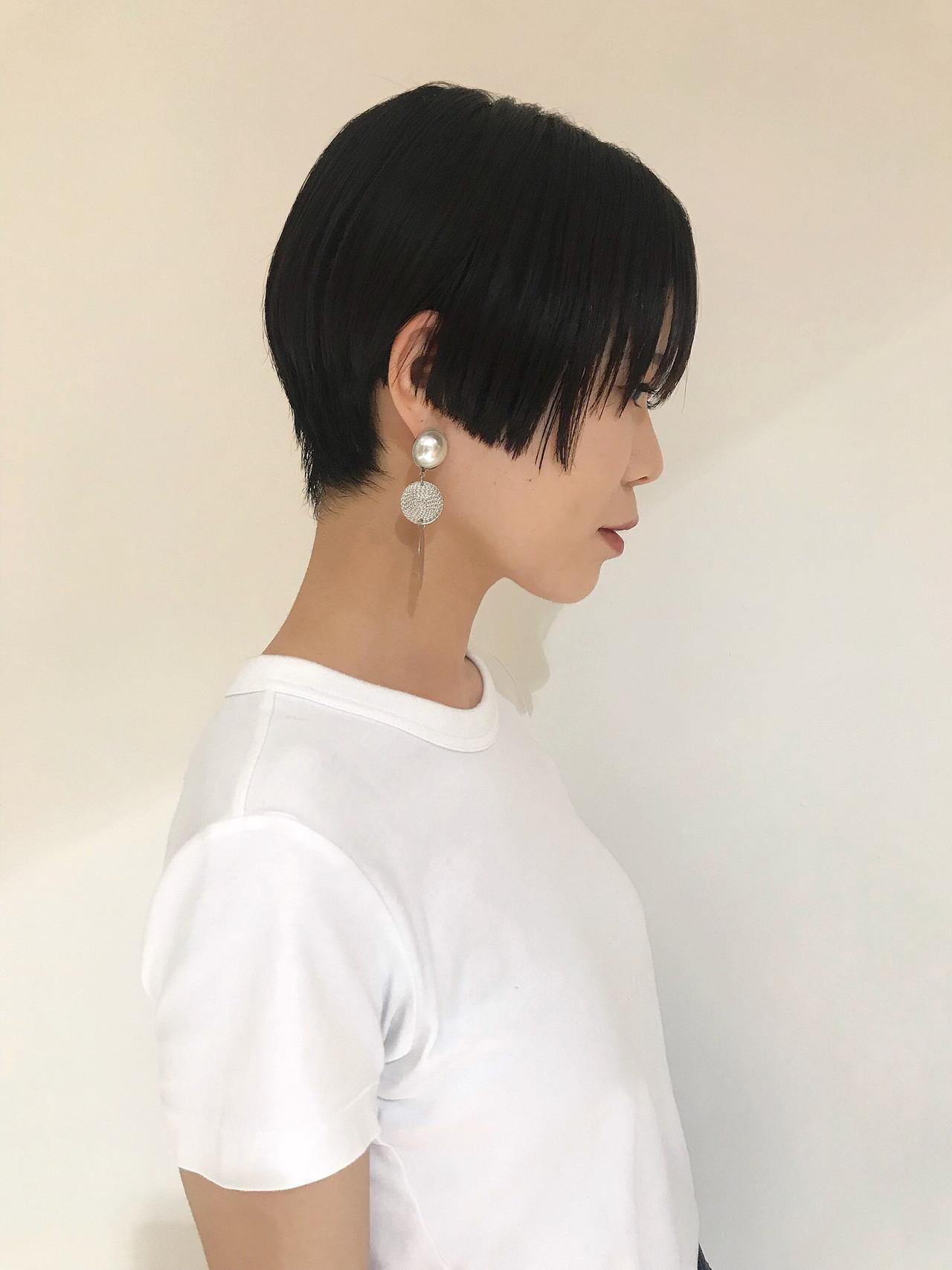 抜け感 ショートヘア ハンサムショート ストレート ヘアスタイルや髪型の写真・画像