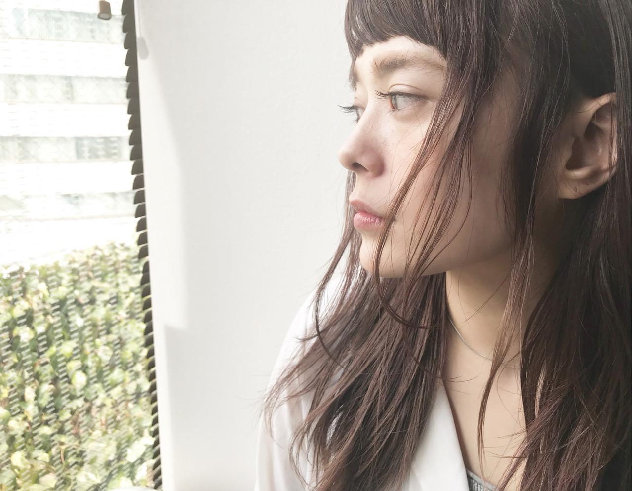 セミロング 小顔ヘア ナチュラル オン眉 ヘアスタイルや髪型の写真・画像