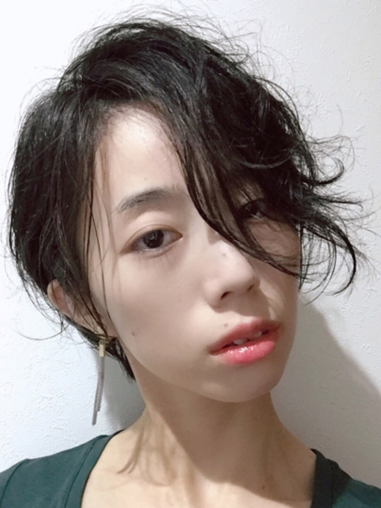 モード 前髪パーマ パーマ 黒髪 ヘアスタイルや髪型の写真・画像