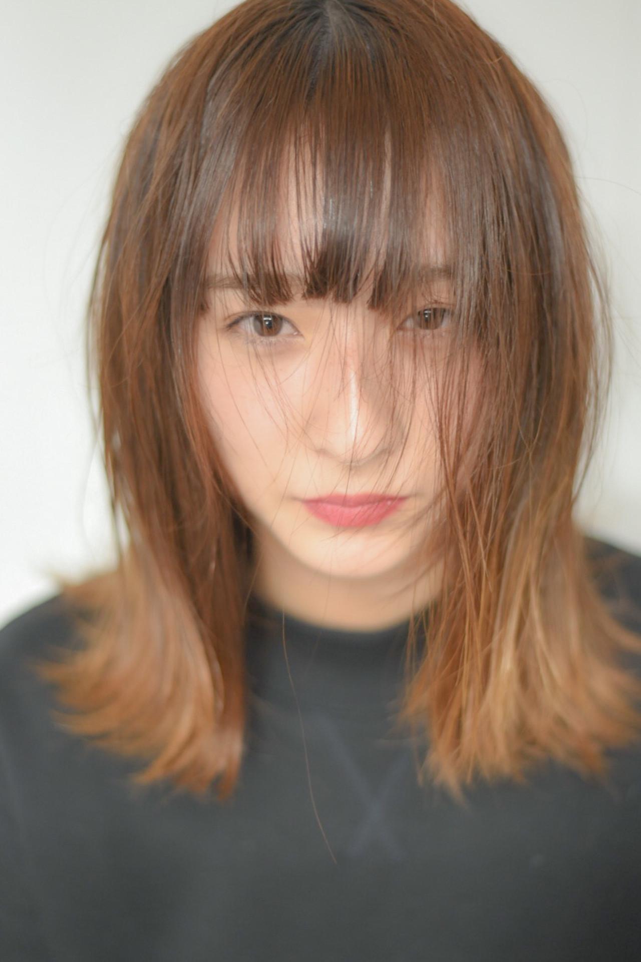 アンニュイほつれヘア ストリート こなれ感 抜け感 ヘアスタイルや髪型の写真・画像
