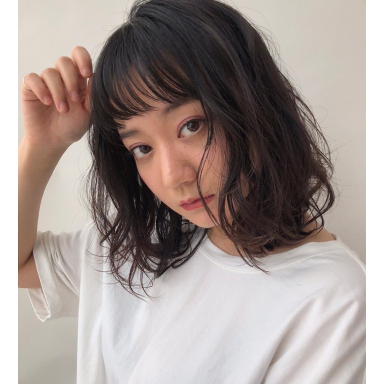 デジタルパーマ ナチュラル ミディアム 前髪あり ヘアスタイルや髪型の写真・画像
