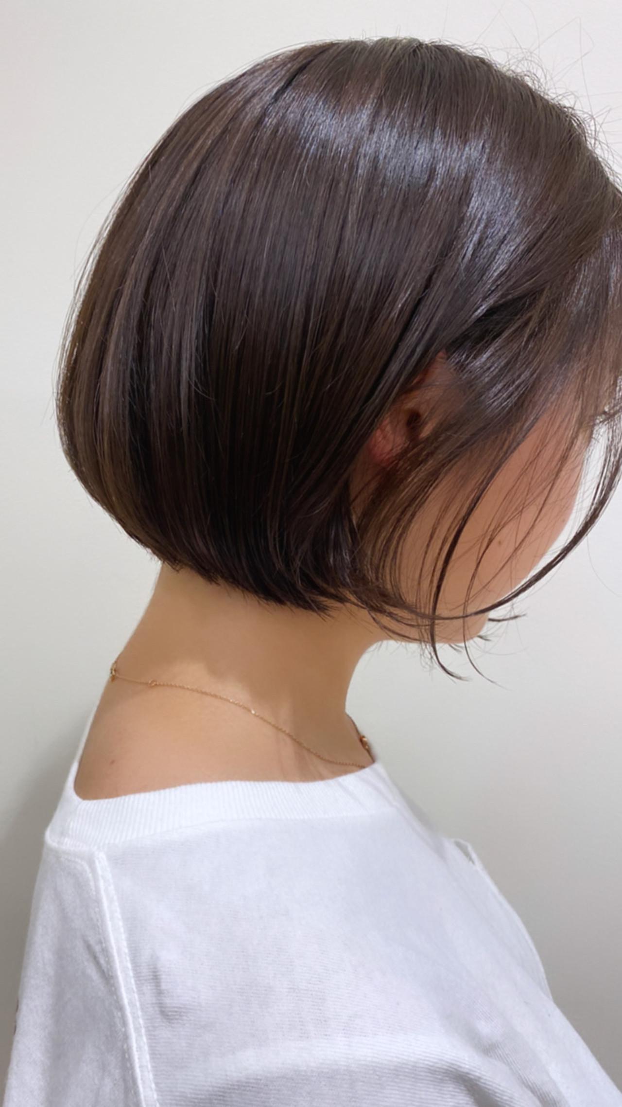 シルバーグレージュ まとまるボブ ナチュラル 透け感ヘア ヘアスタイルや髪型の写真・画像