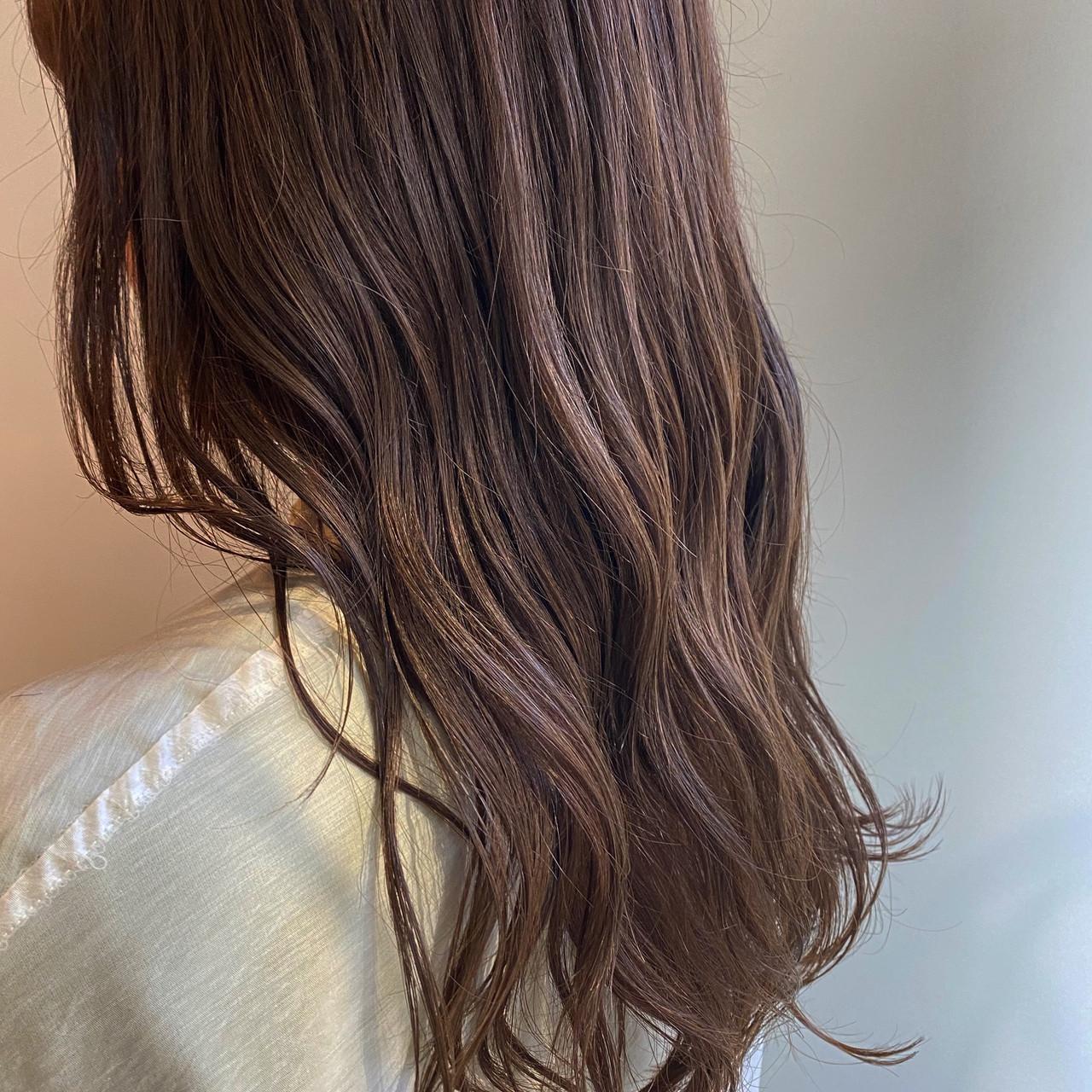 ミルクティーブラウン ナチュラル ブラウンベージュ セミロング ヘアスタイルや髪型の写真・画像