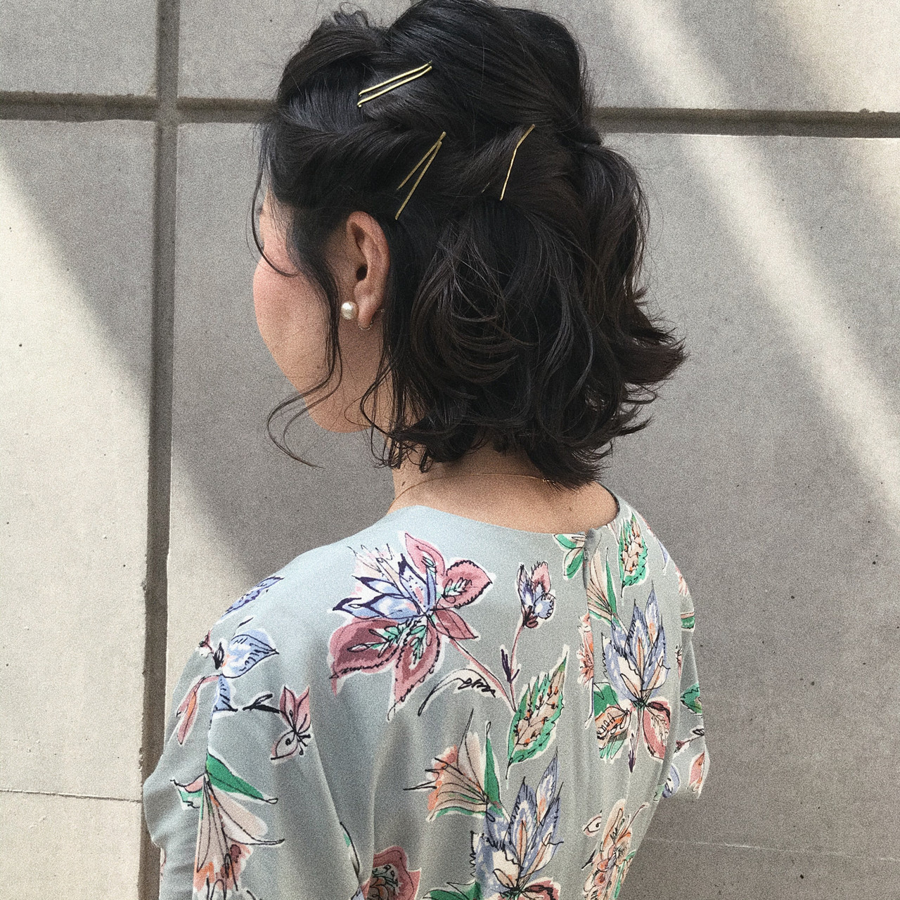 簡単ヘアアレンジ 切りっぱなしボブ ナチュラル ボブ ヘアスタイルや髪型の写真・画像