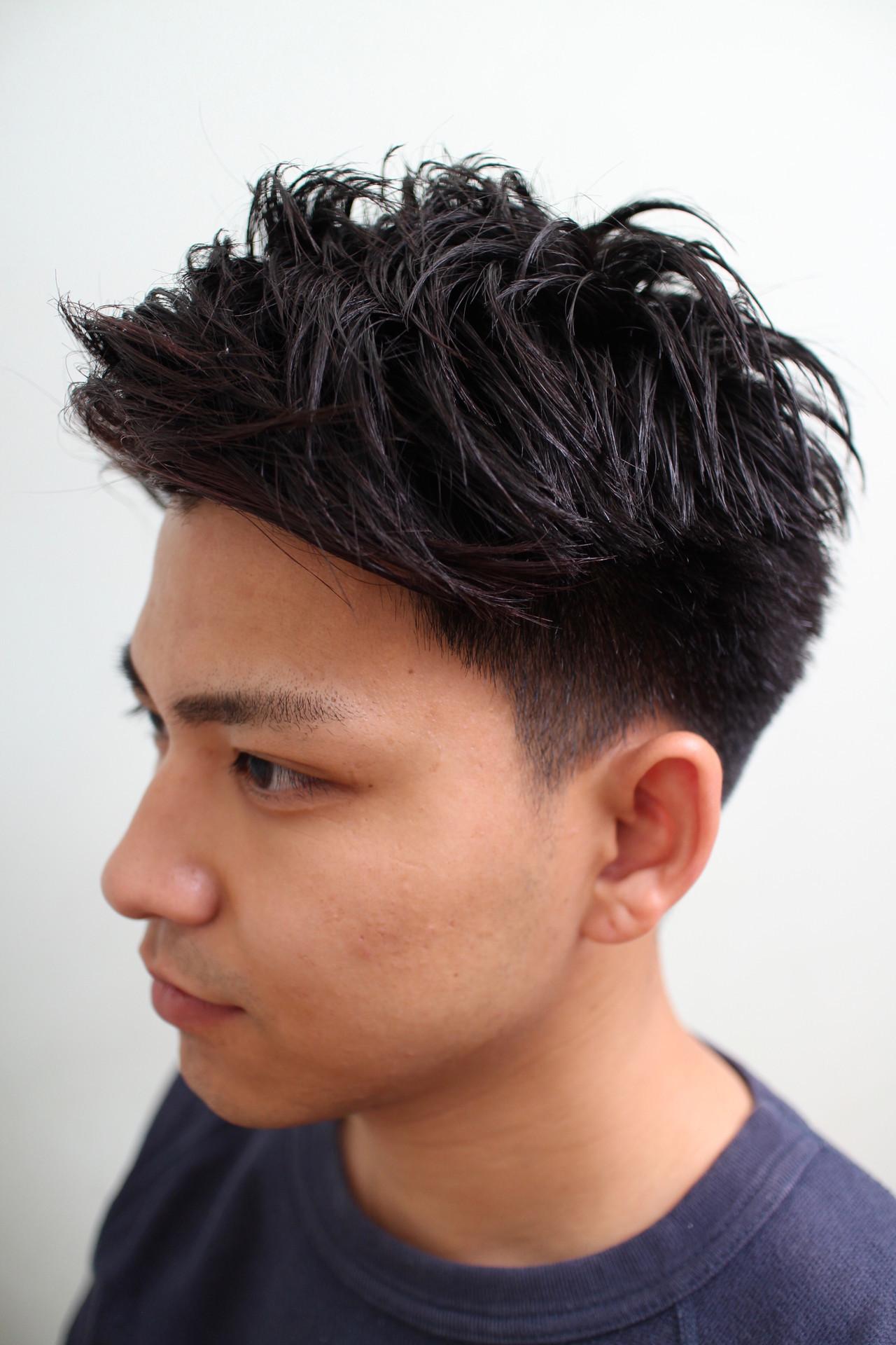 ショート ツーブロック ポイントカラー ストリート ヘアスタイルや髪型の写真・画像