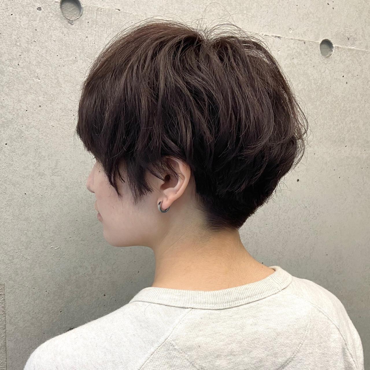パーマ ベリーショート ジェンダーレス 刈り上げショート ヘアスタイルや髪型の写真・画像