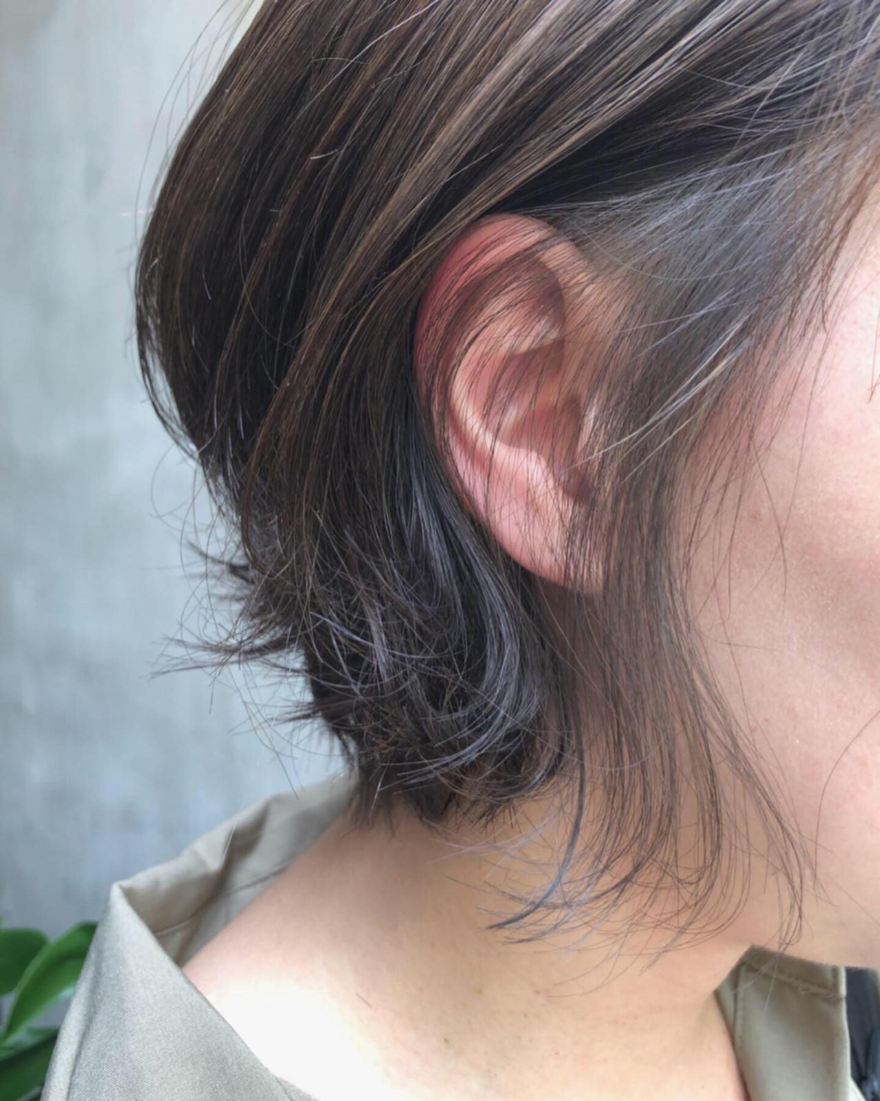 グレーアッシュ グレー ショート インナーカラー ヘアスタイルや髪型の写真・画像