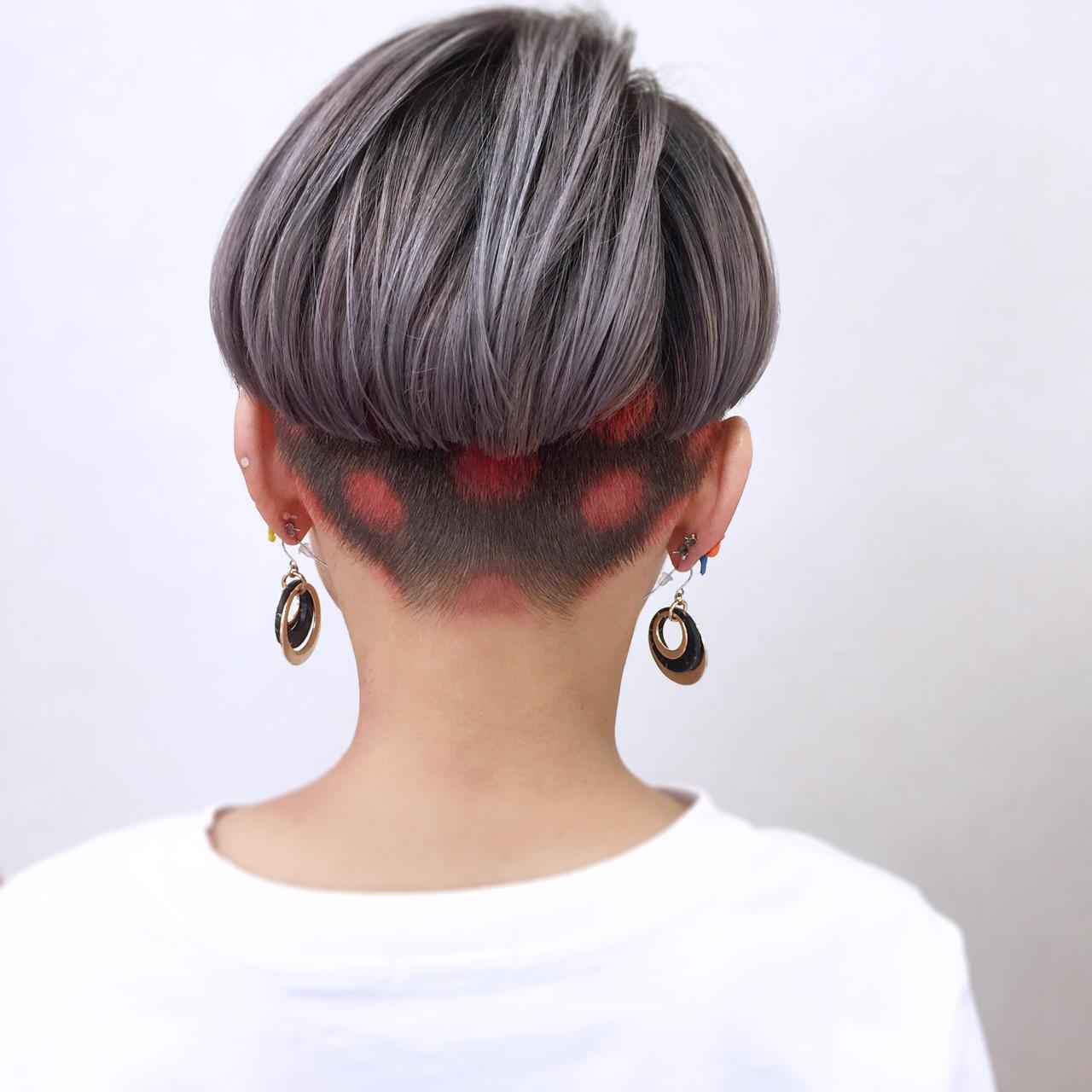 シルバー 個性的 モード ハイトーン ヘアスタイルや髪型の写真・画像