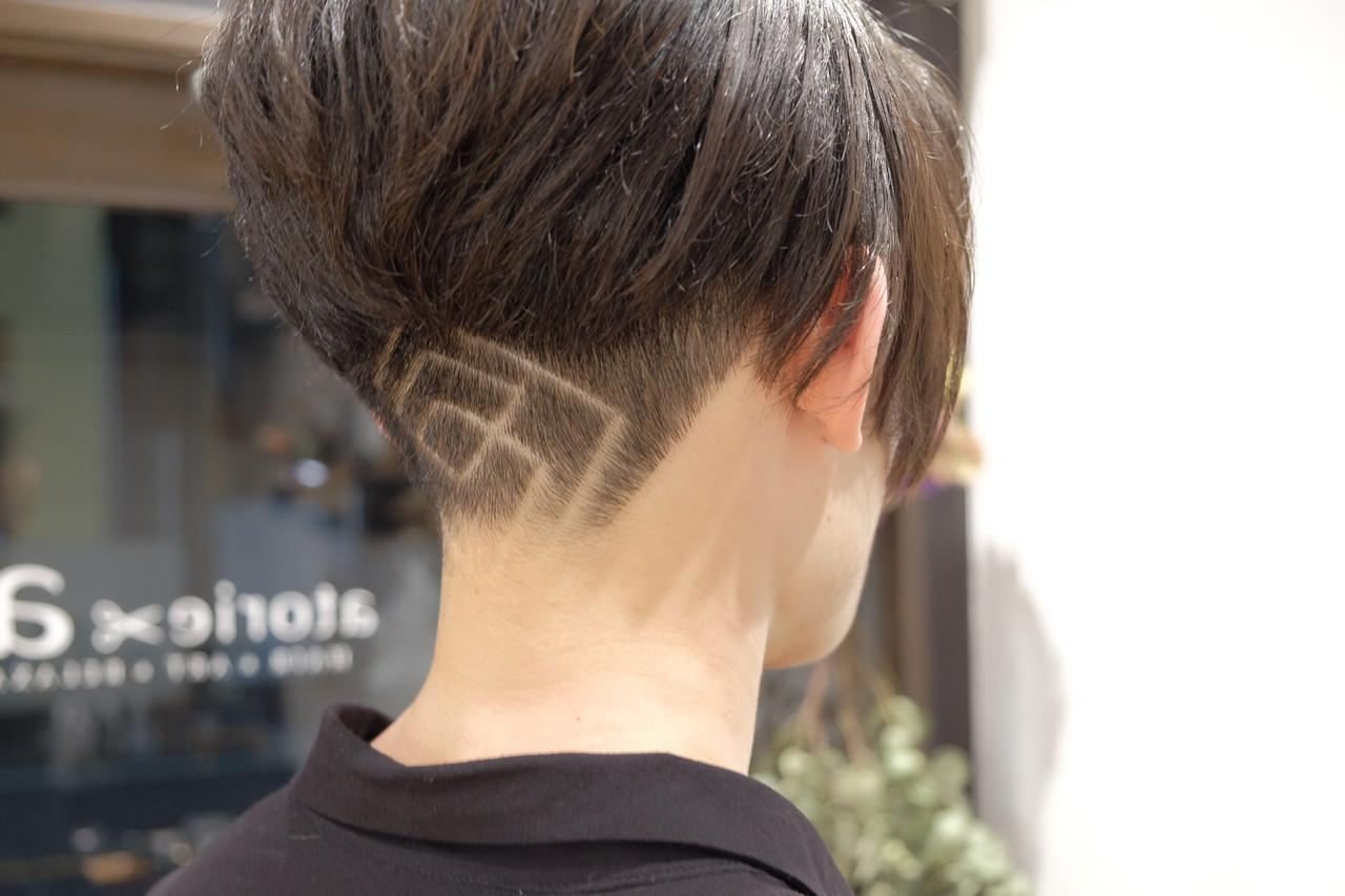 メンズショート ショート モード ツーブロック ヘアスタイルや髪型の写真・画像