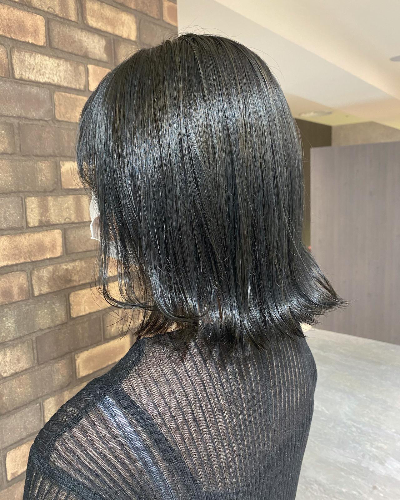 アッシュグレージュ ミディアム ナチュラル イルミナカラー ヘアスタイルや髪型の写真・画像
