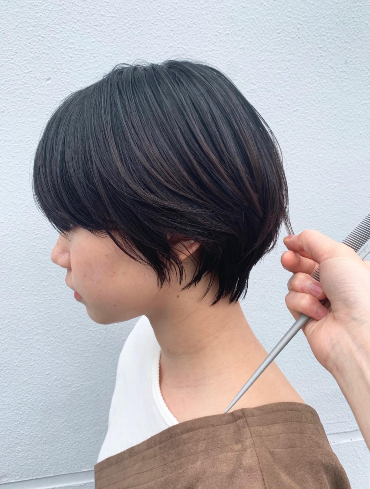 ナチュラル ショート ハンサムショート ゆるふわパーマ ヘアスタイルや髪型の写真・画像