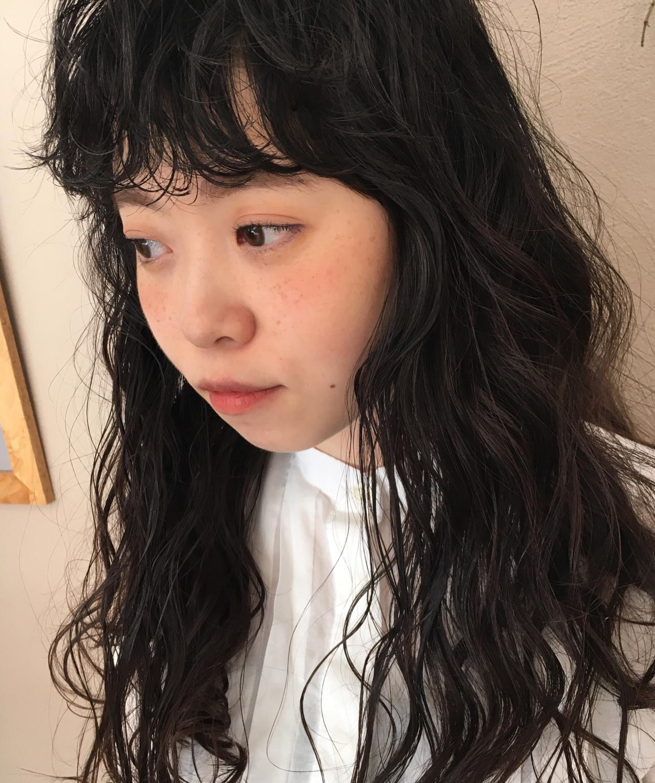 黒髪 ウェーブ ゆるウェーブ 前髪 ヘアスタイルや髪型の写真・画像