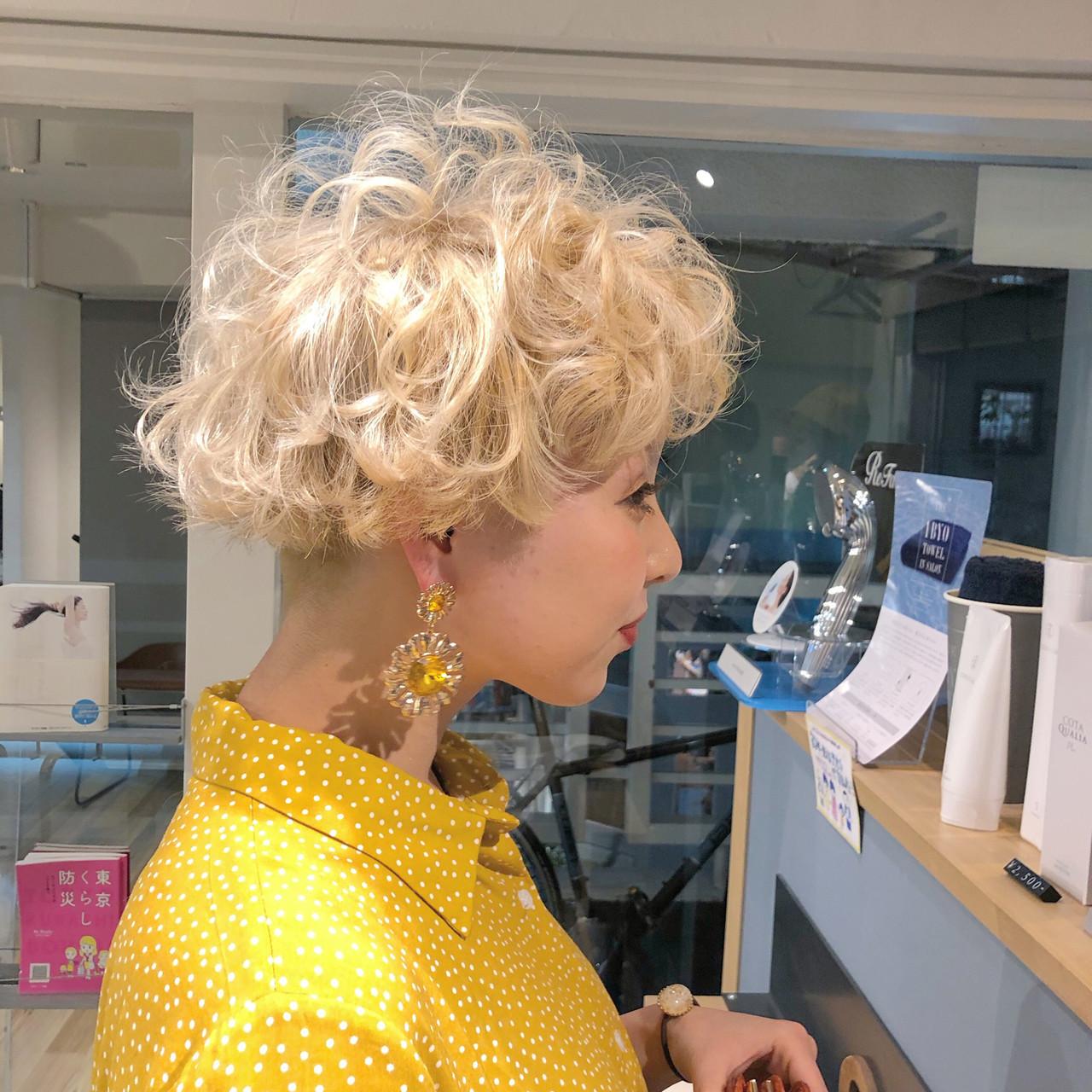 ショート ハイトーン ハンサムショート ブロンドカラー ヘアスタイルや髪型の写真・画像