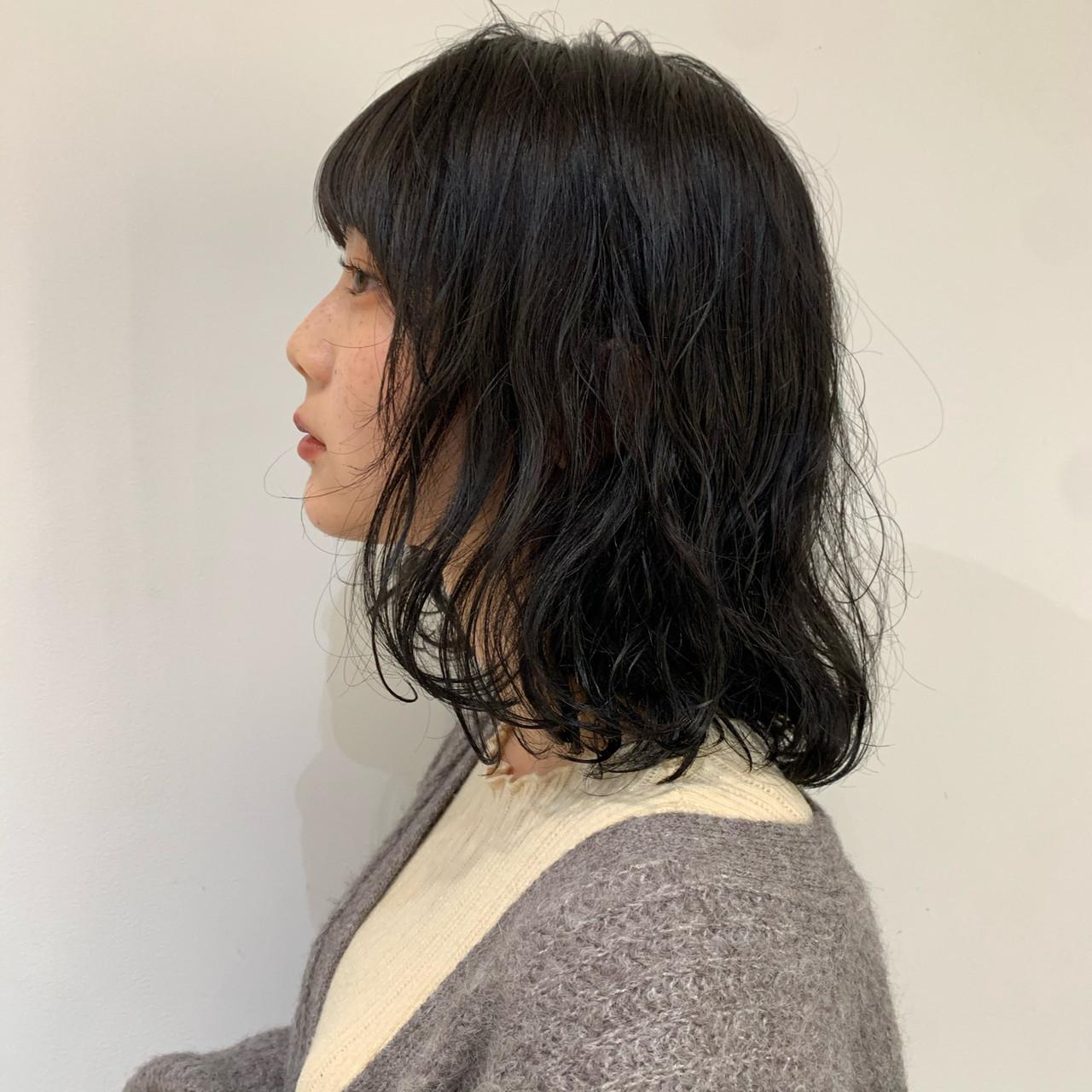 フェミニン デジタルパーマ ロブ ミディアム ヘアスタイルや髪型の写真・画像