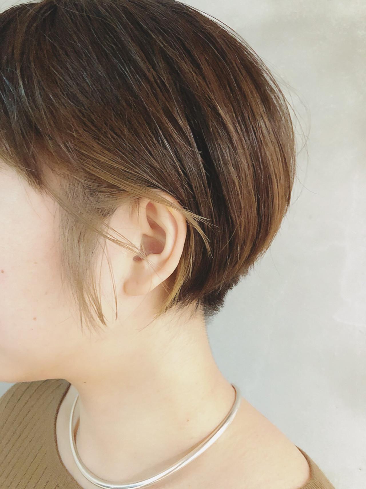 ショートボブ ショート インナーカラーグレー ショートヘア ヘアスタイルや髪型の写真・画像