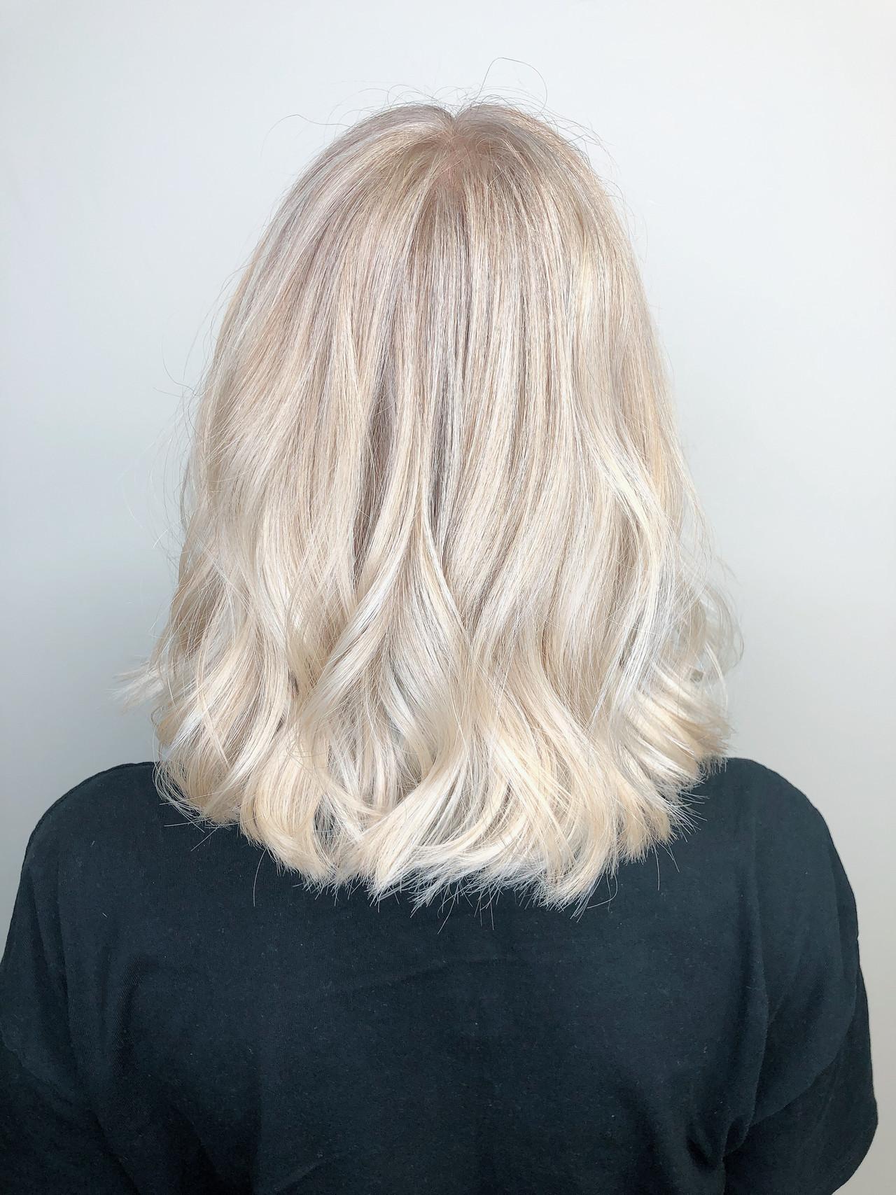 ホワイトカラー ハイトーンカラー 外国人風カラー ミディアム ヘアスタイルや髪型の写真・画像