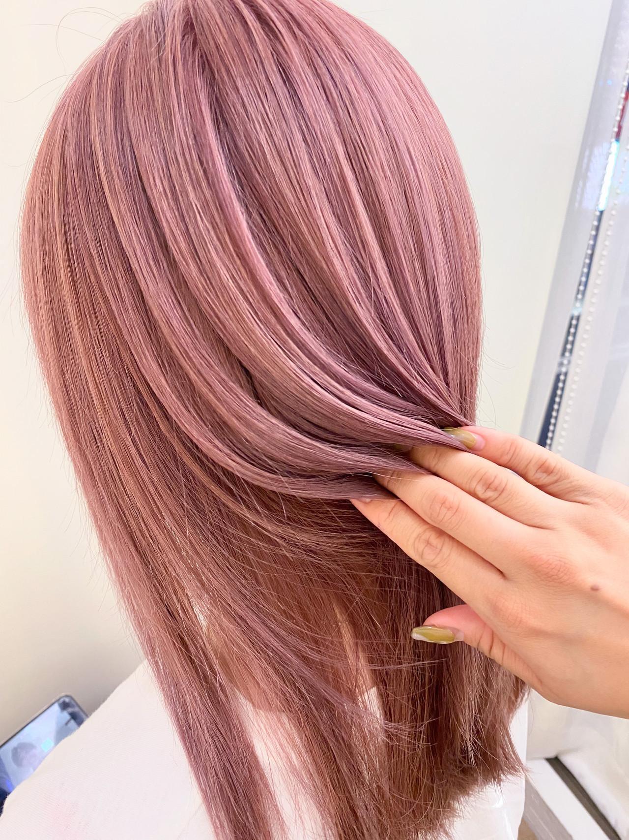 艶髪 ピンクラベンダー セミロング ピンクベージュ ヘアスタイルや髪型の写真・画像