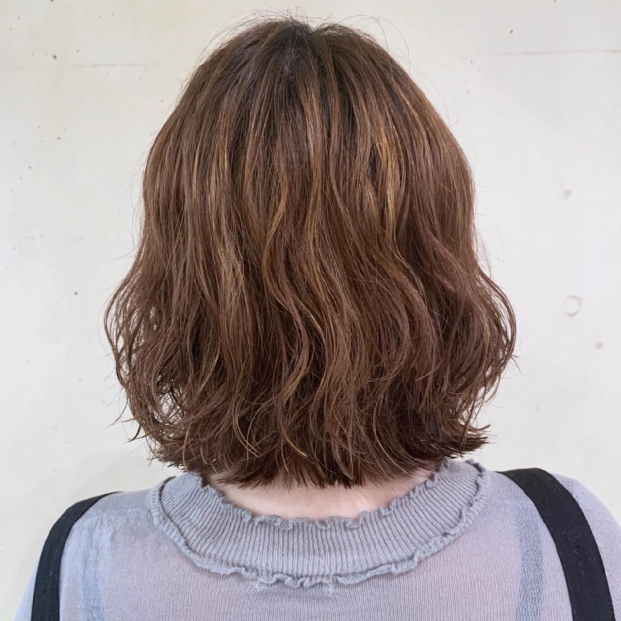 大人かわいい コテ巻き風パーマ  ボブ ヘアスタイルや髪型の写真・画像