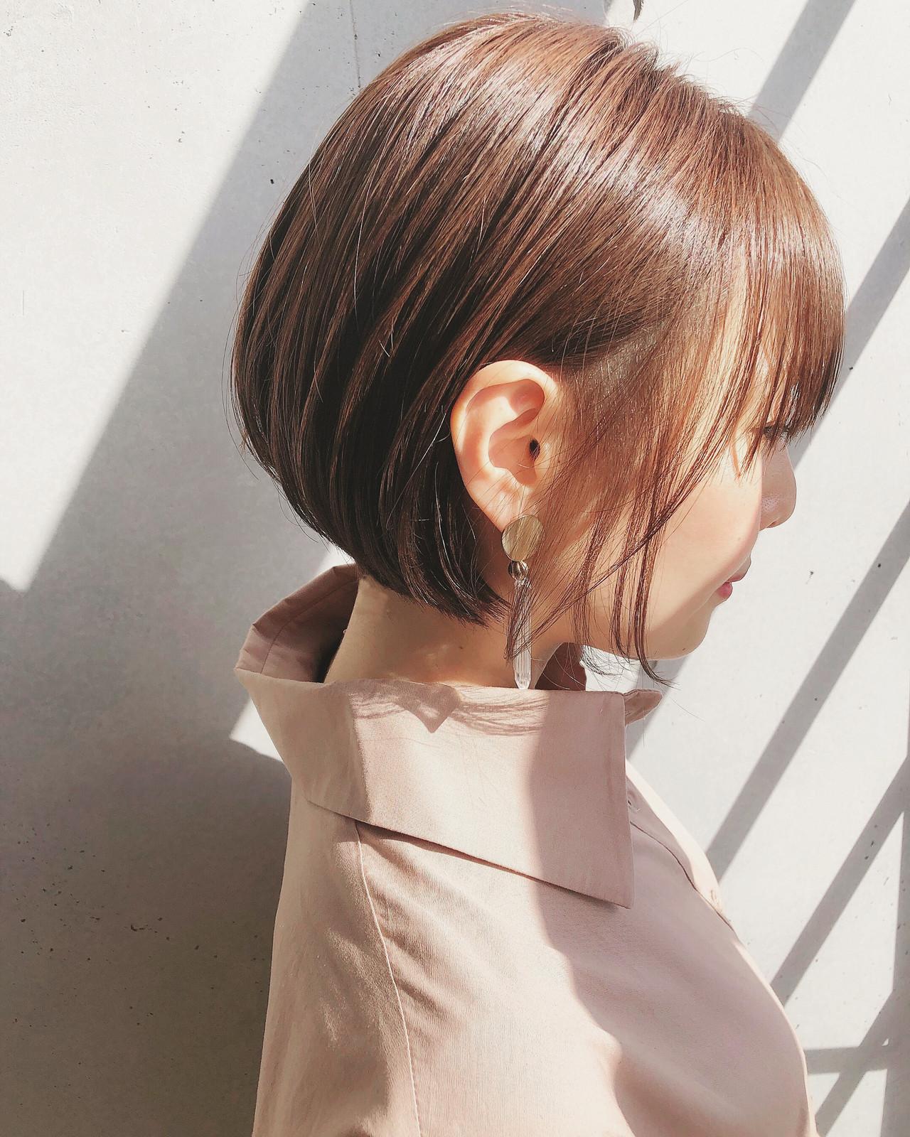 ショートボブ ナチュラル ボブ 切りっぱなしボブ ヘアスタイルや髪型の写真・画像