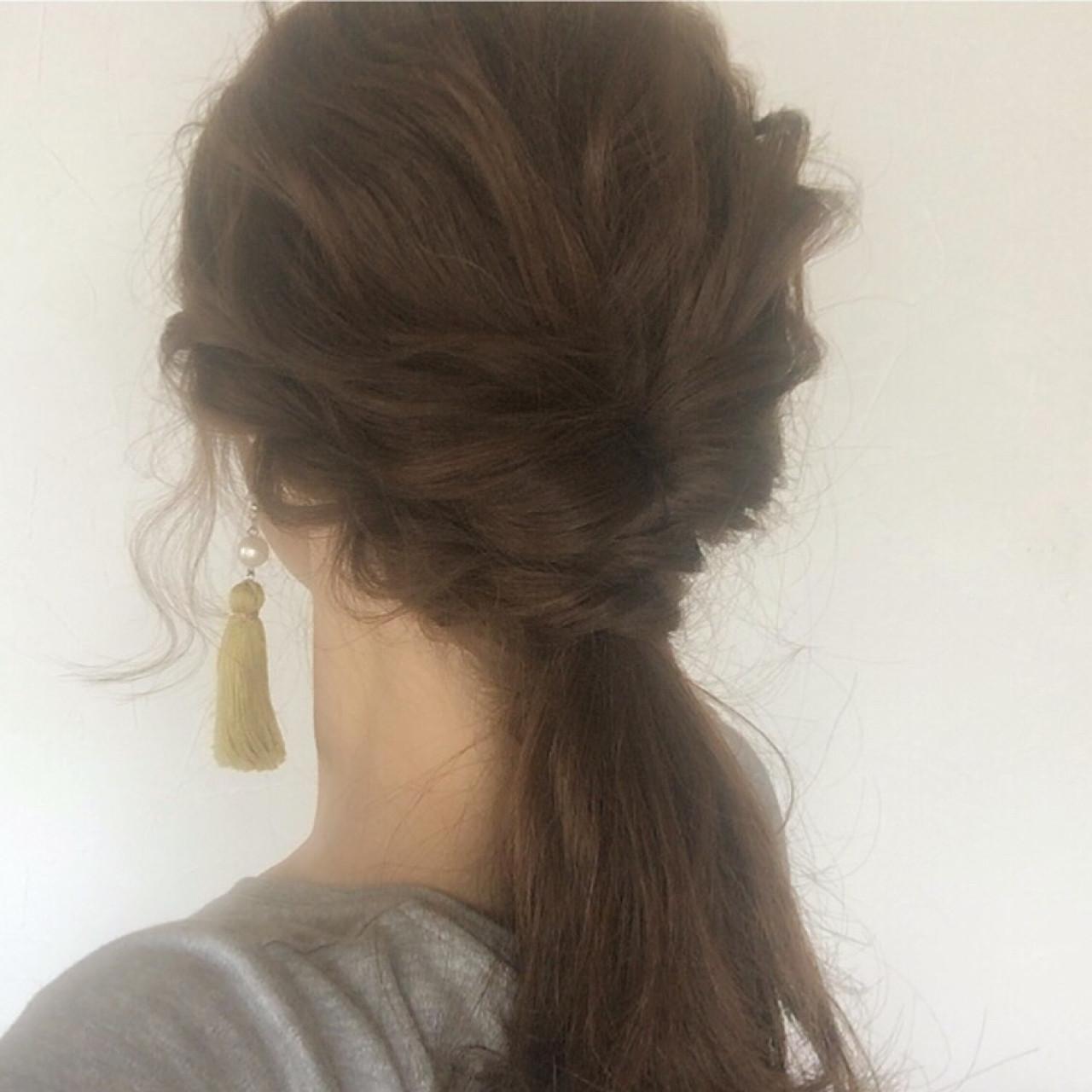 ロープ編み セルフヘアアレンジ セミロング ヘアアレンジ ヘアスタイルや髪型の写真・画像
