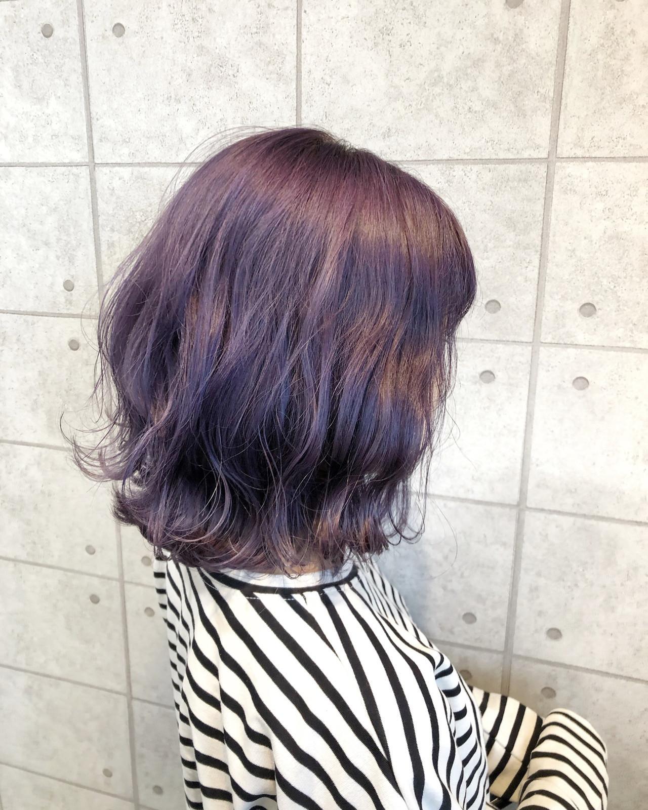 パープルカラー ミディアム 切りっぱなしボブ イルミナカラー ヘアスタイルや髪型の写真・画像