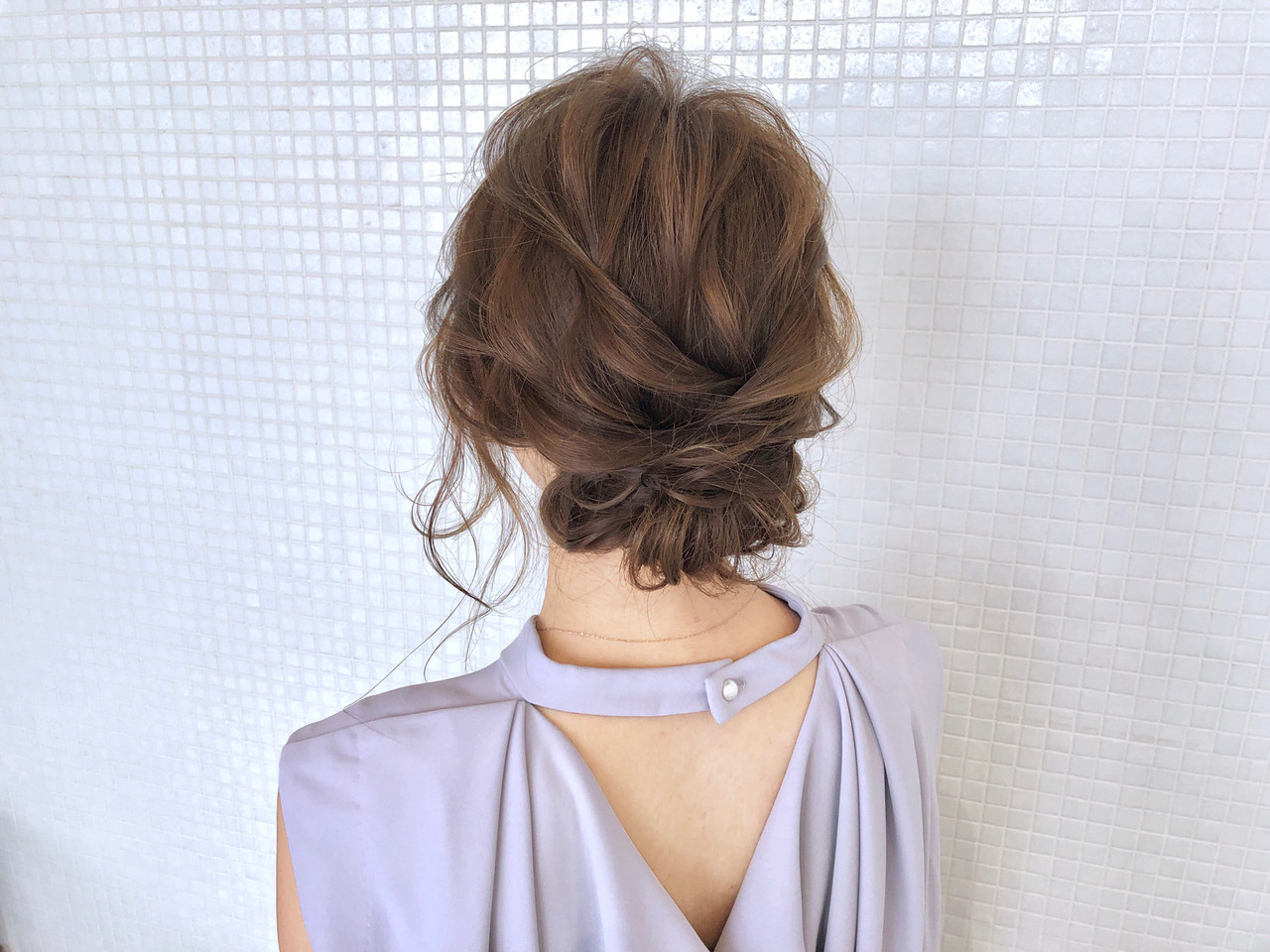 ロング ギブソンタック シニヨン エレガント ヘアスタイルや髪型の写真・画像