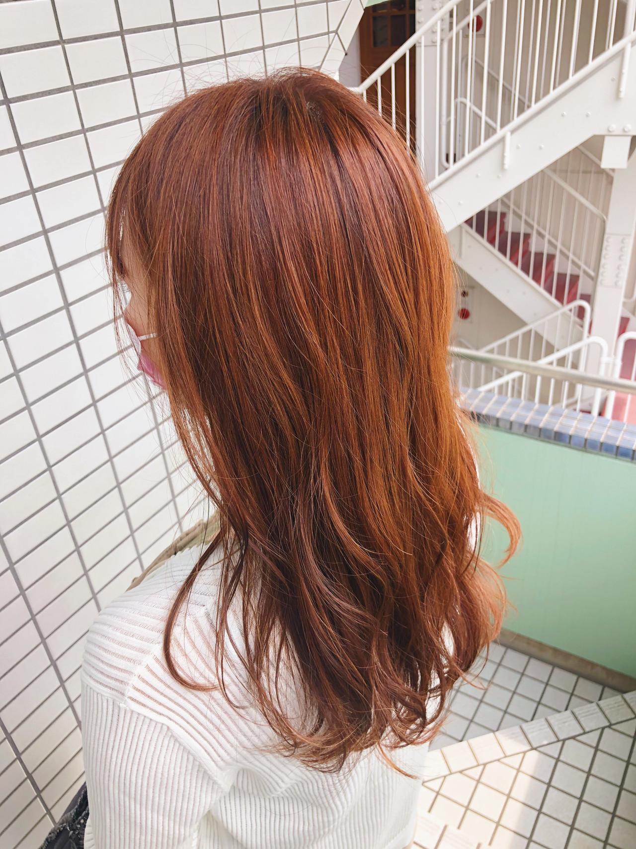 ハイライト ナチュラル 大人ハイライト アプリコットオレンジ ヘアスタイルや髪型の写真・画像