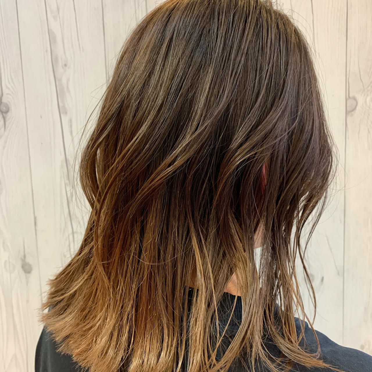 バレイヤージュ エレガント 夏 グラデーションカラー ヘアスタイルや髪型の写真・画像